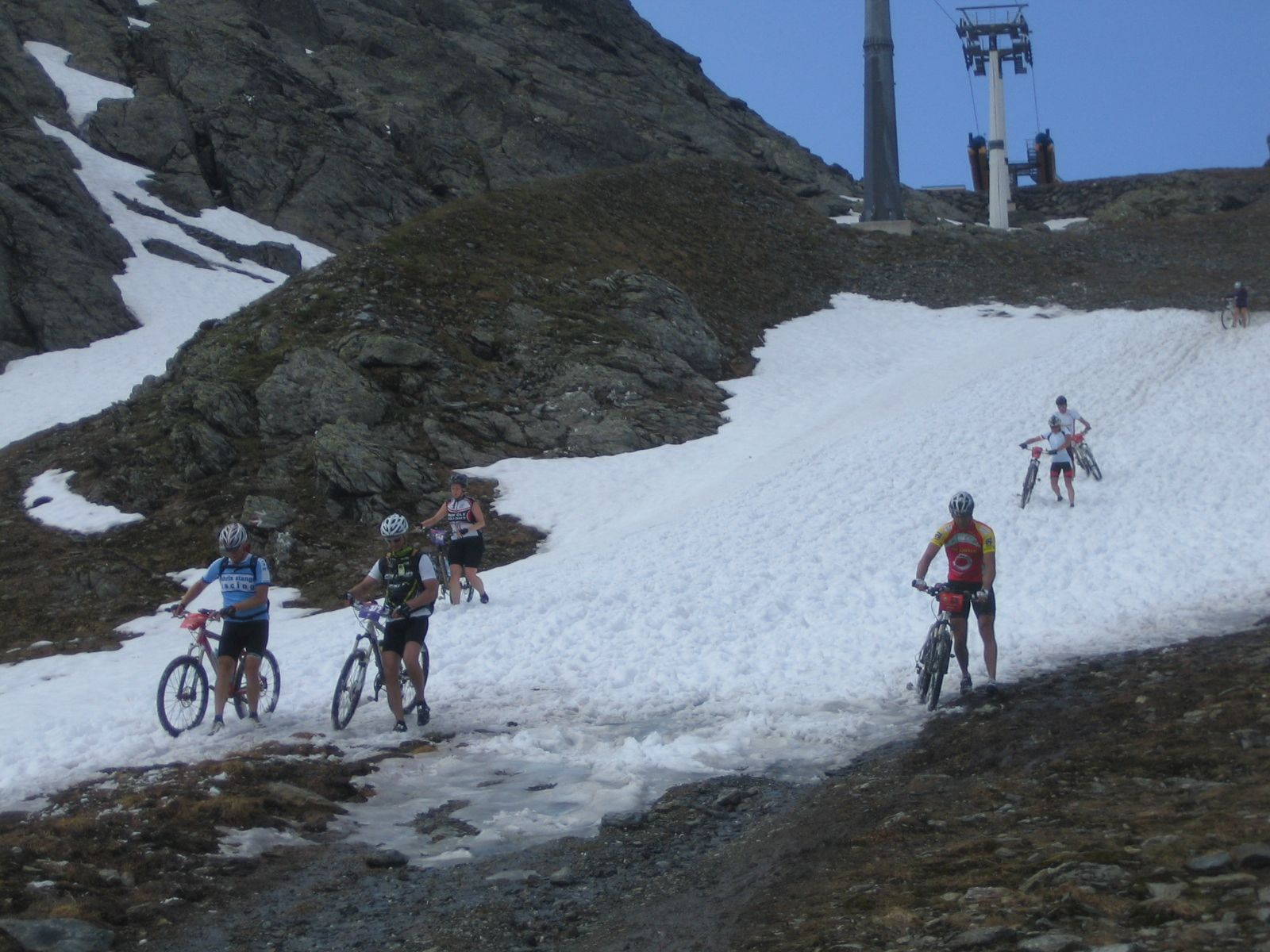 Abkühlung im Schneefeld