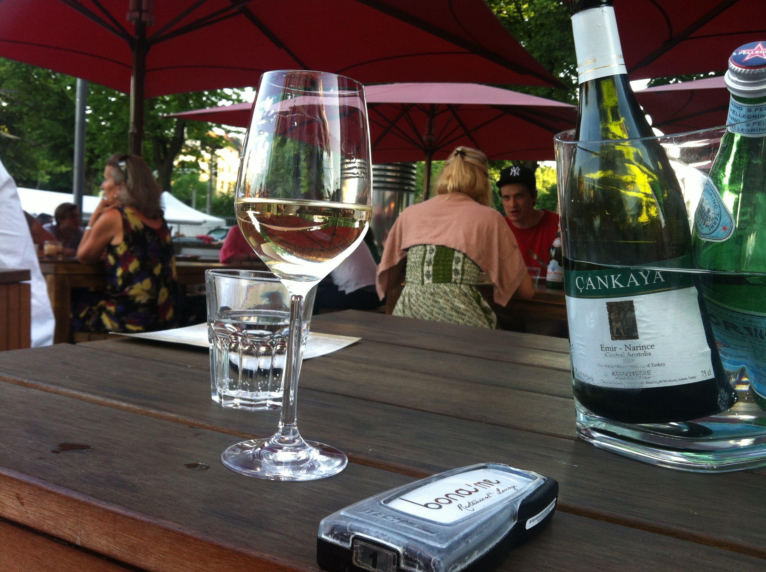 Wein aus authochtonen Rebsorten und der unvermeidliche Vibrationsalarm