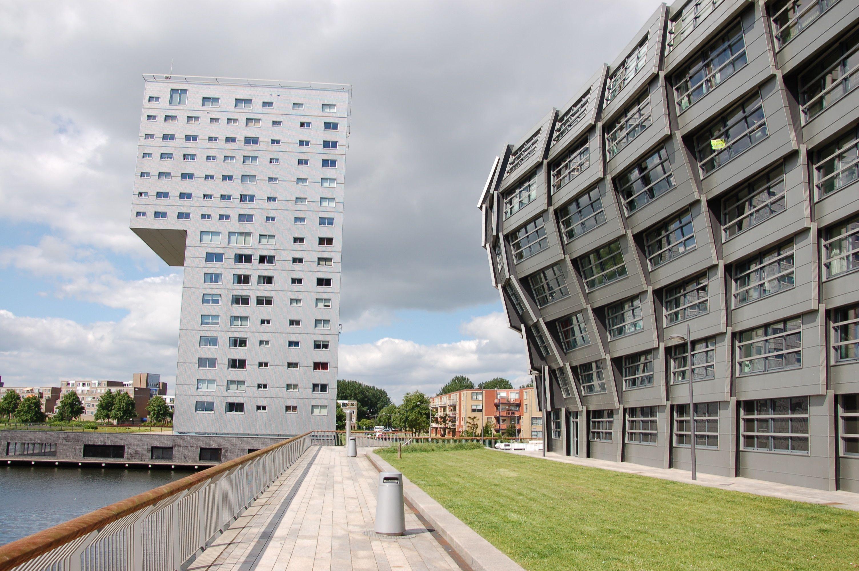 """Der Name ist Programm: Das Apartementhaus """"The Wave"""" von René van Zuuk"""
