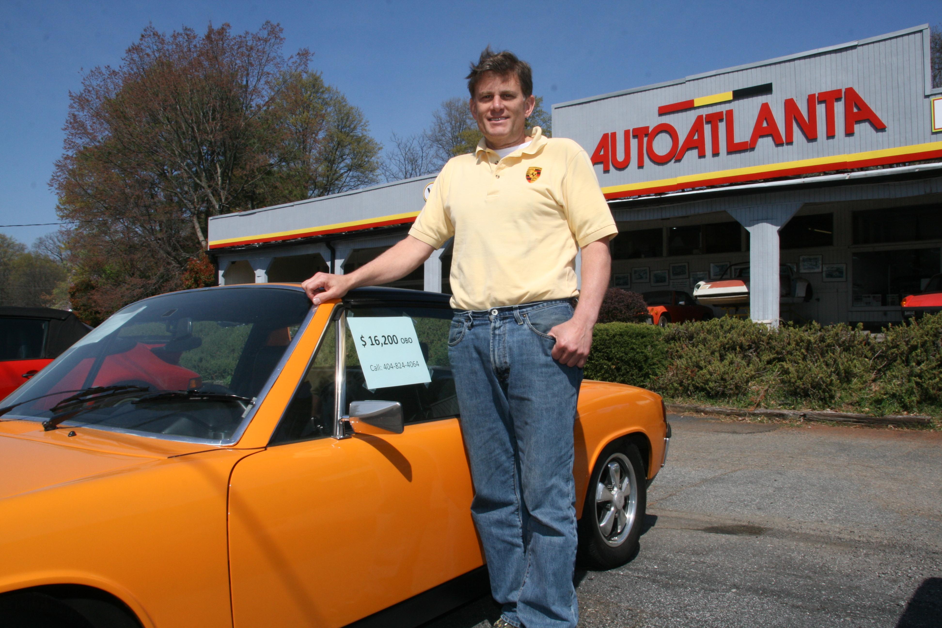 Ein Mann wie ein Porsche - Doc 914 vor seinem Betrieb in Marietta