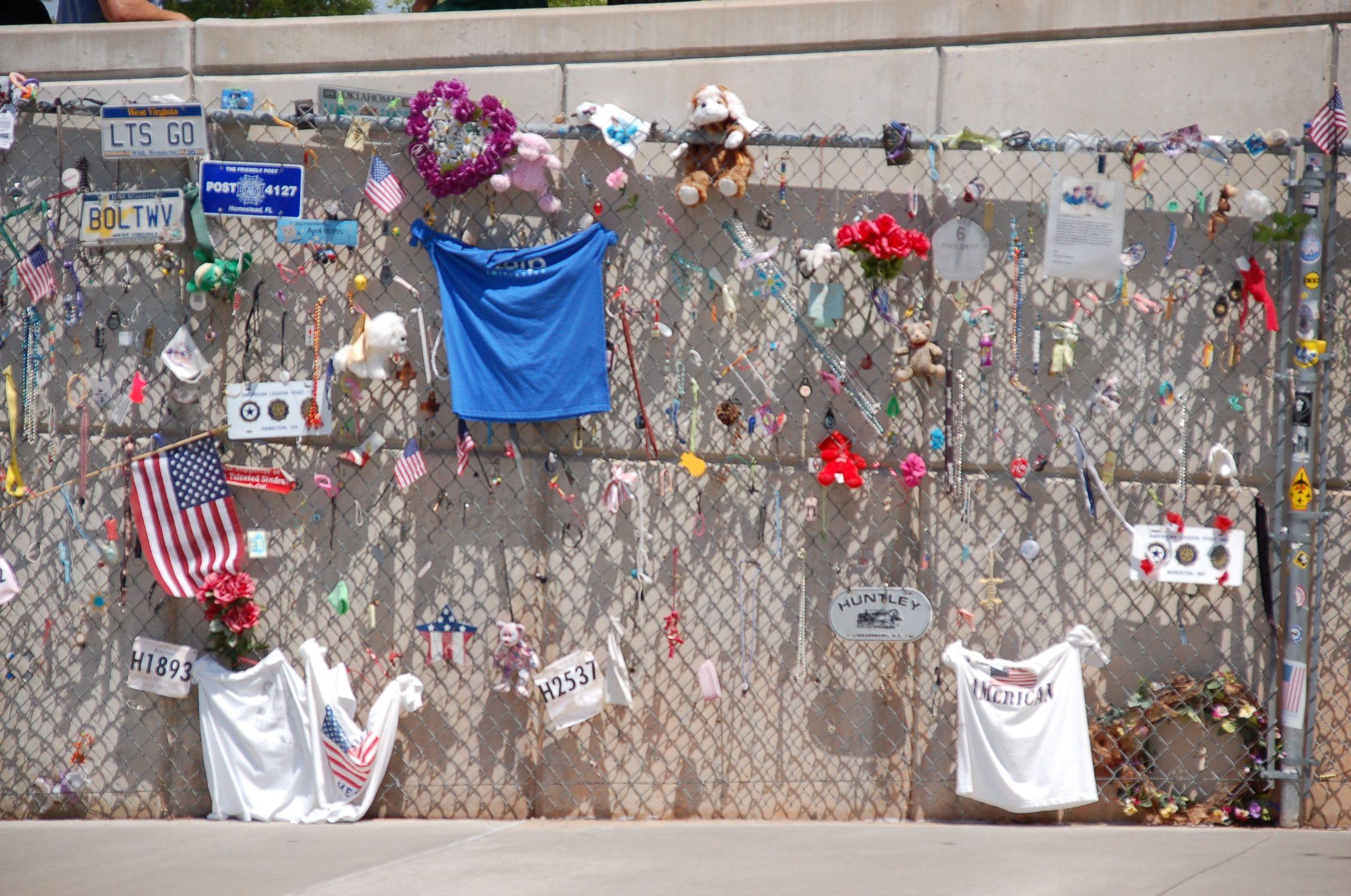 Bewegend: Ein Zaun in Oklahoma City wurde zu einer Gedächtniswand