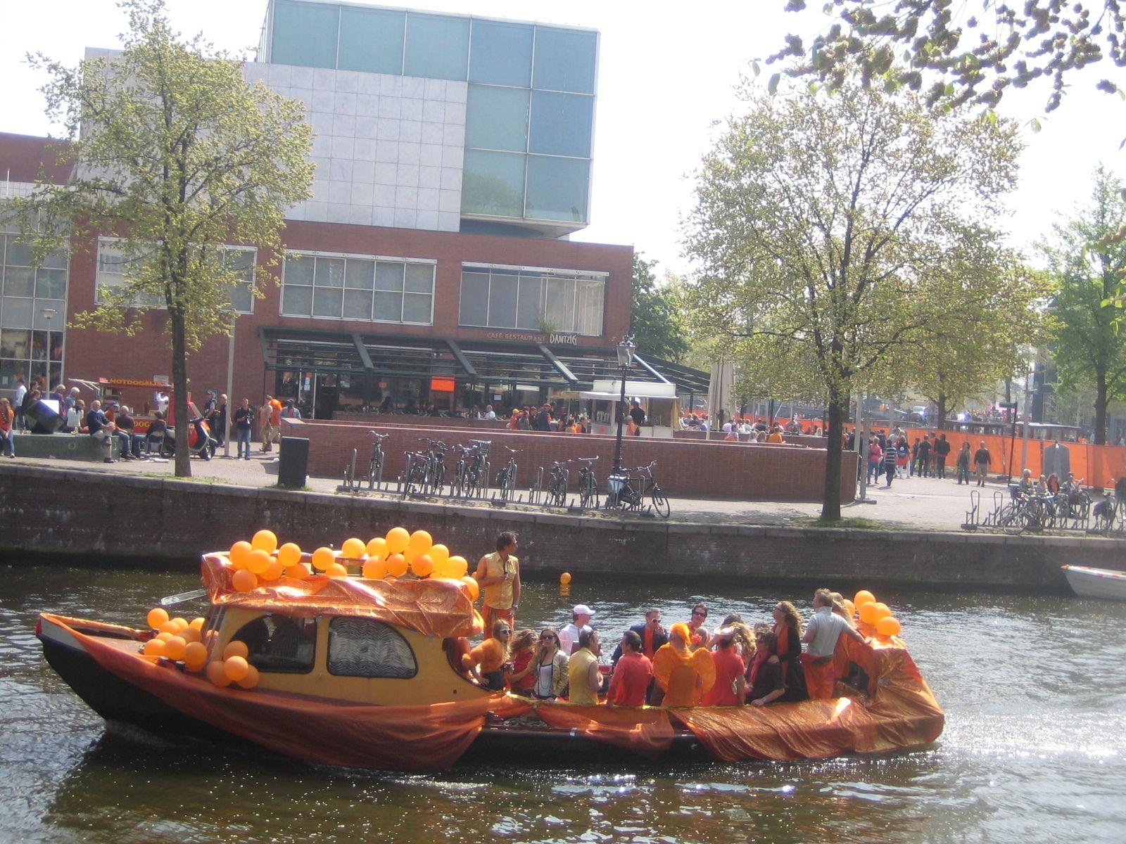 Amsterdam Koninginnendag02