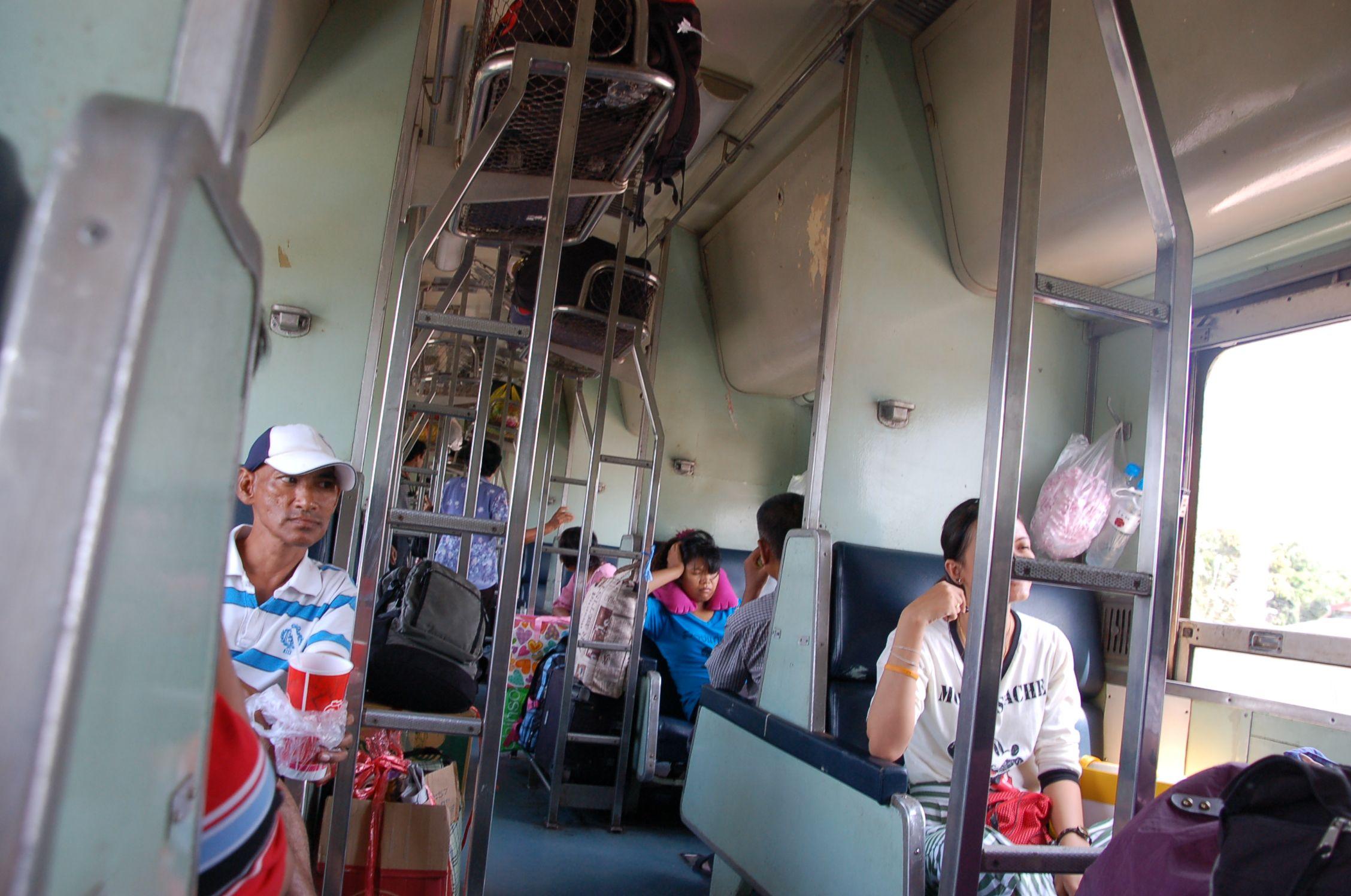 Bahn durch Thailand 08