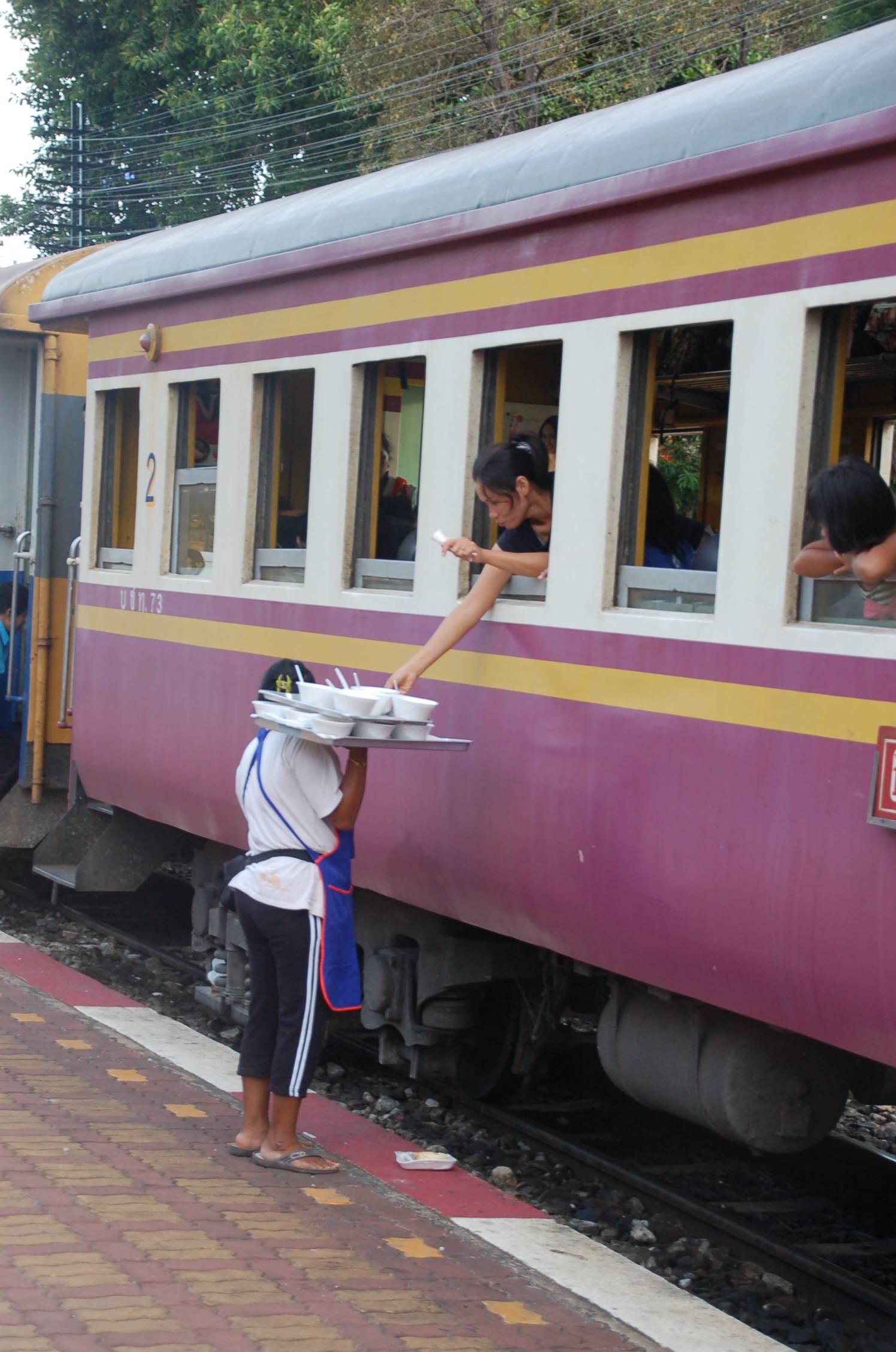 Bahn durch Thailand15