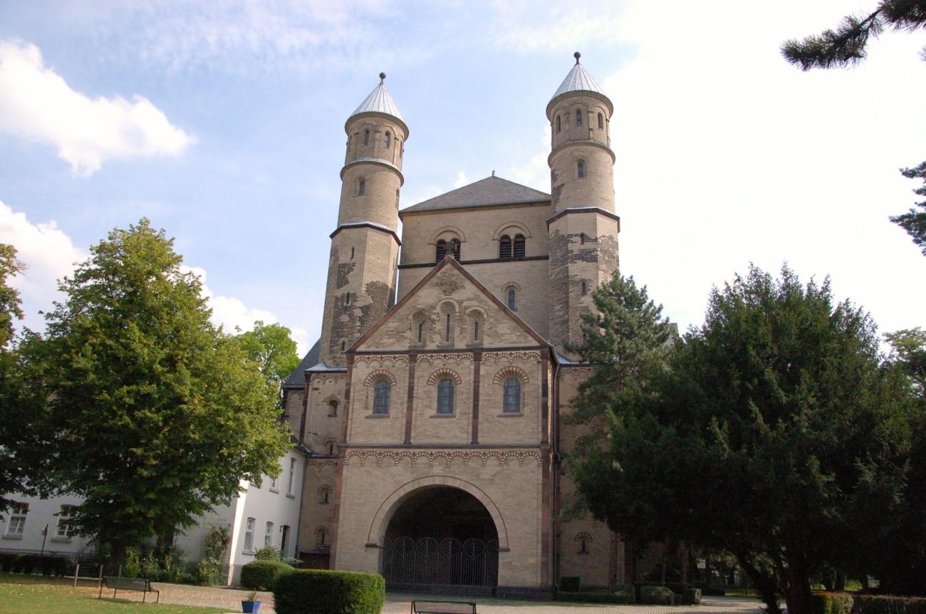 Versteckt und verspielt: St. Pantaleon ist eine der zwölf romanischen Kirchen Kölns