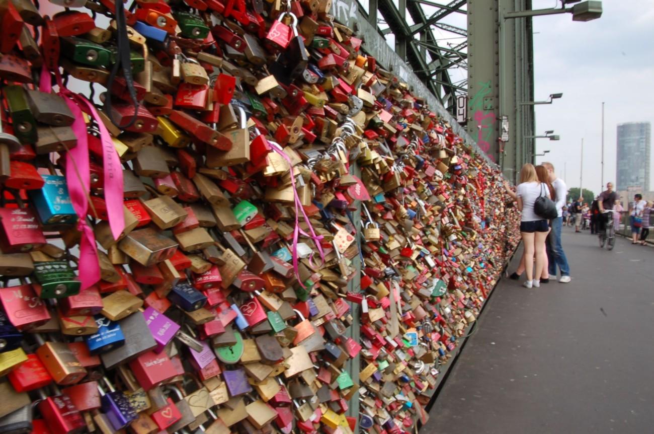 So viel Liebe: Die Schlösser auf der Hohenzollernbrücke waren der Vorläufer eines weltweiten Hypes