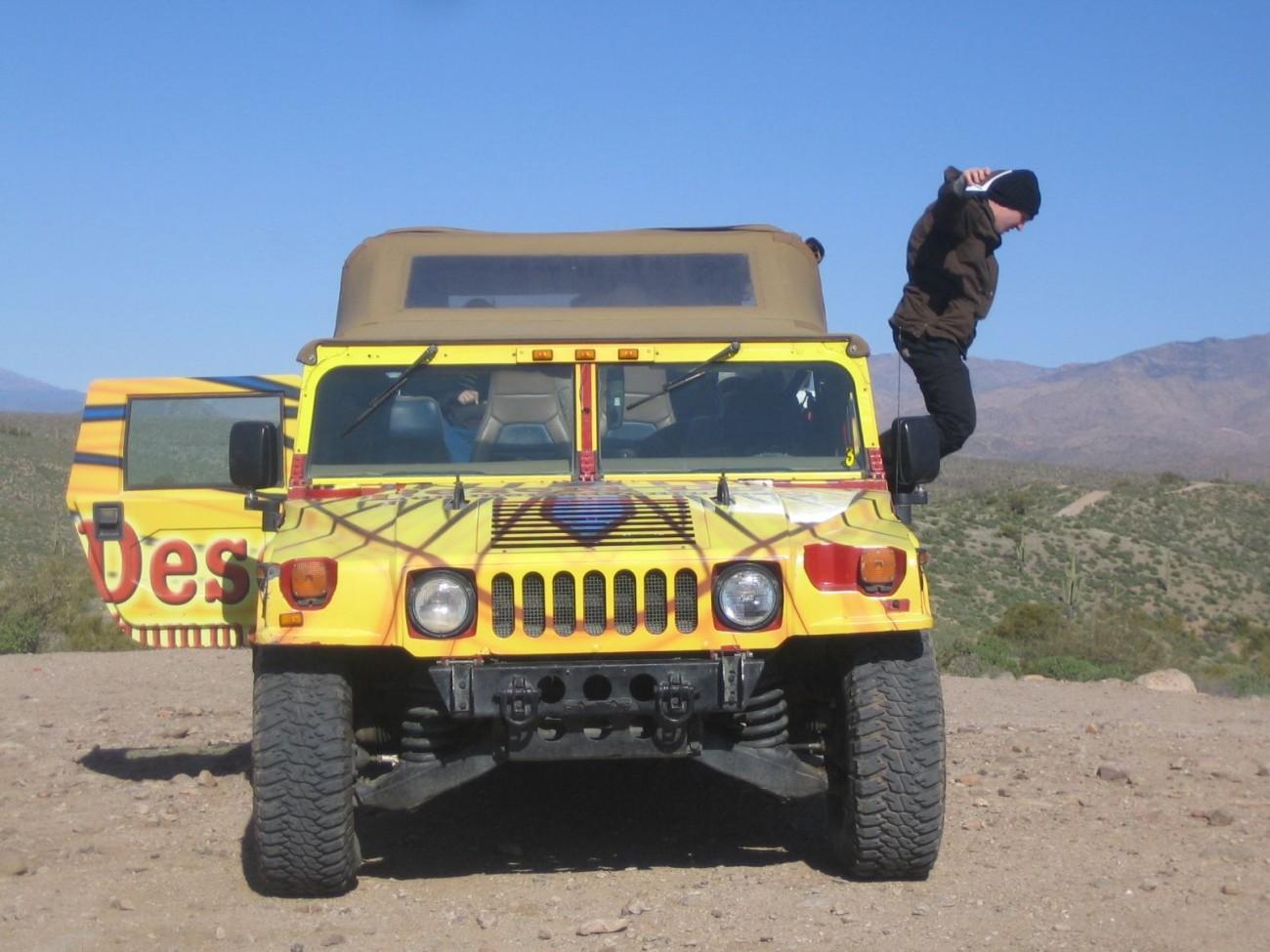 Sprung aus dem Hummer: Journalisten erkunden die Fauna der Wüste