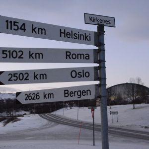 Auch in Kirkenes gilt: Ein Weg führt immer nach Rom