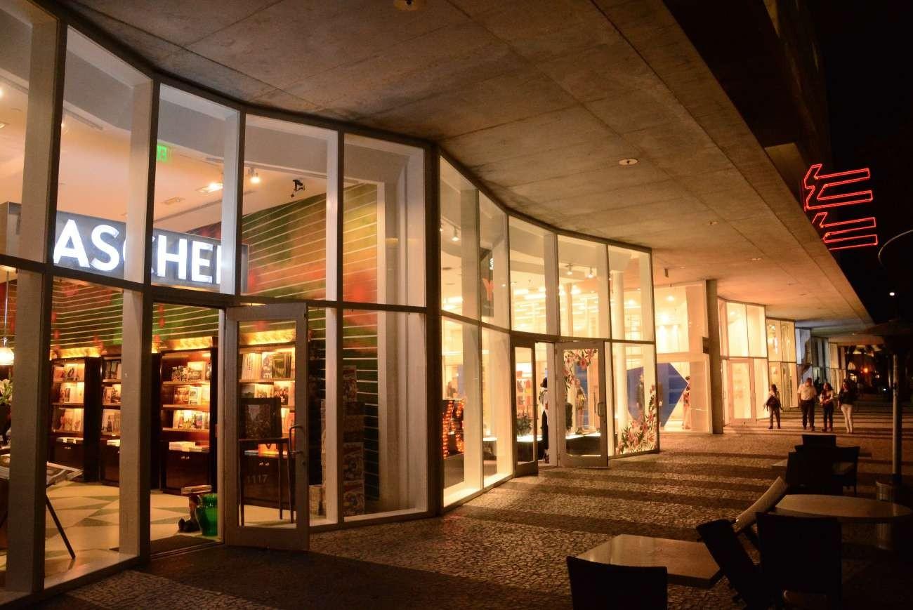 Exklusiver Einzelhandel im Erdgeschoss