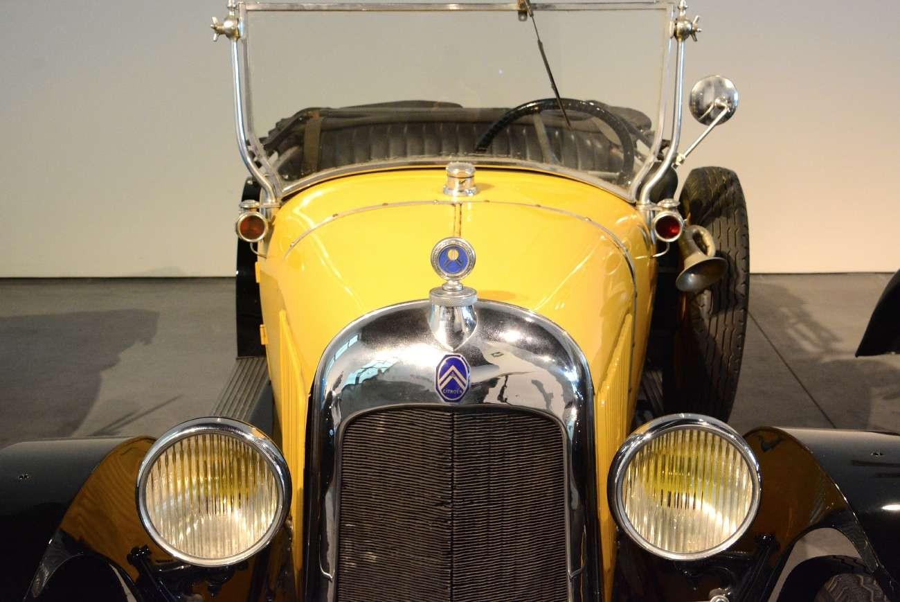 """Die 20er Jahre waren recht ausgelassen. Citroen hat 1922 sein """"Frauenauto"""" auf den Markt gebracht"""