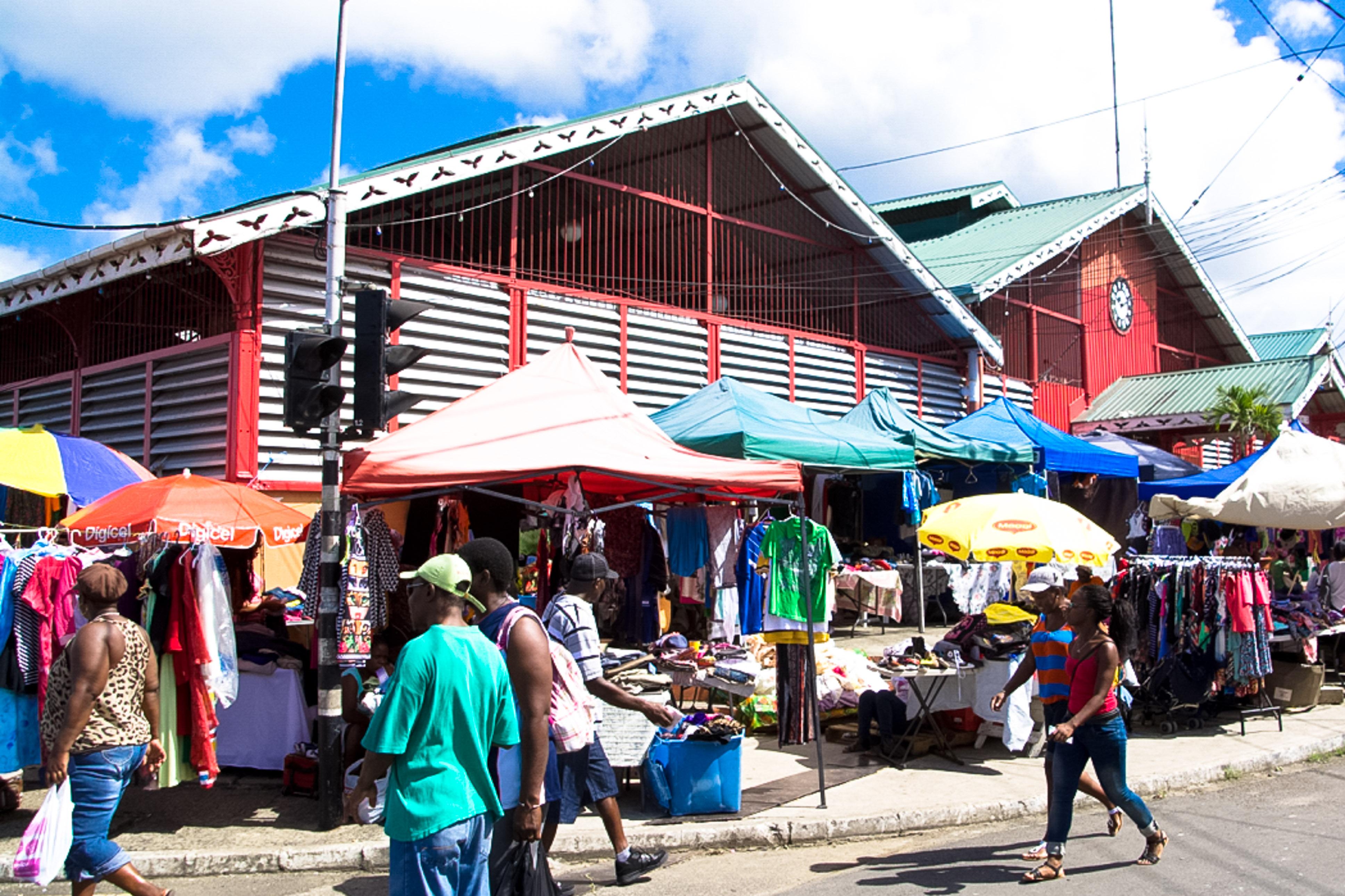 Markt von Castries, St. Lucia, Anreise nach St. Lucia