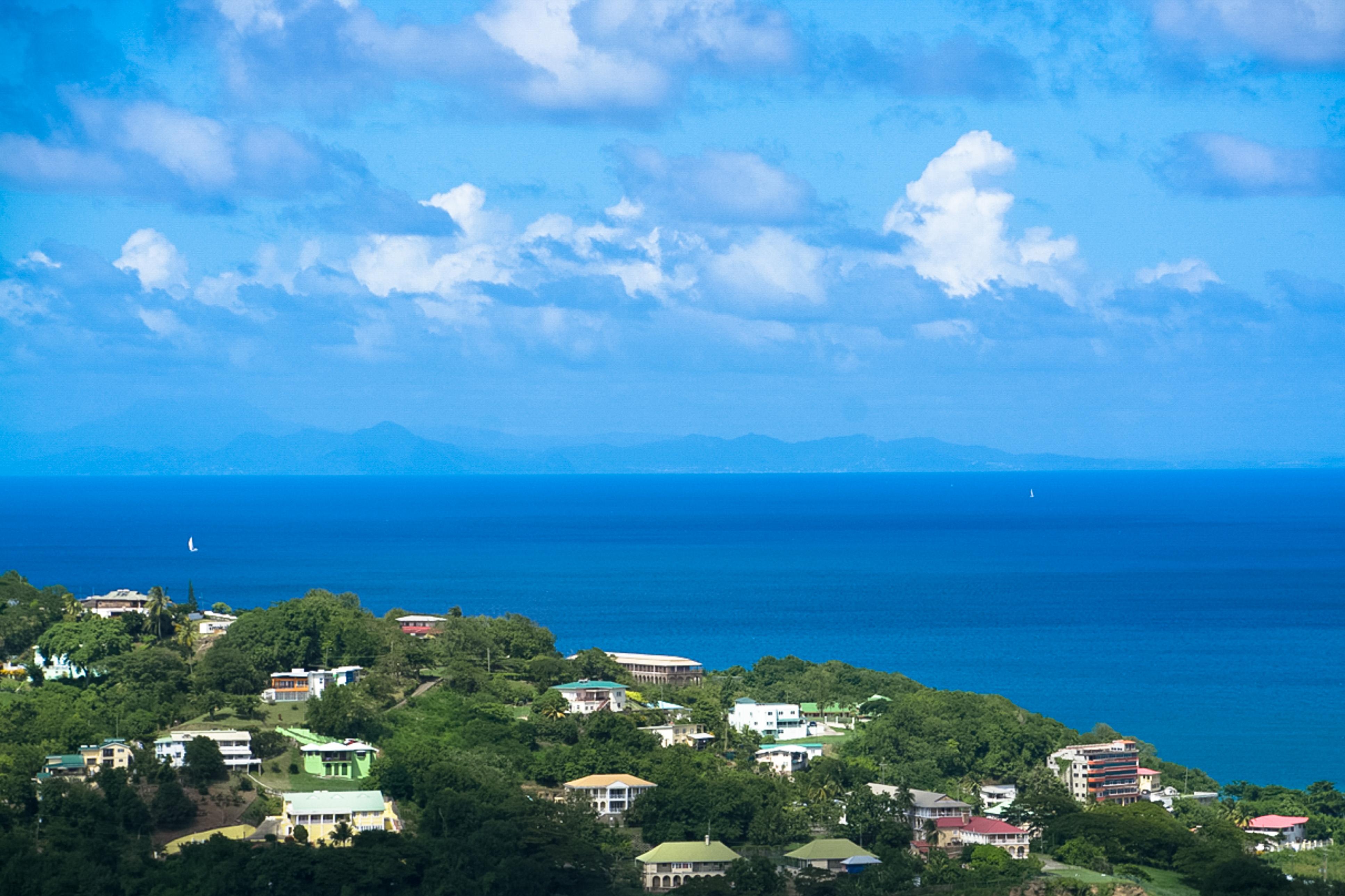 Das Hochland, Wandern auf St. Lucia, Blick nach Martinique