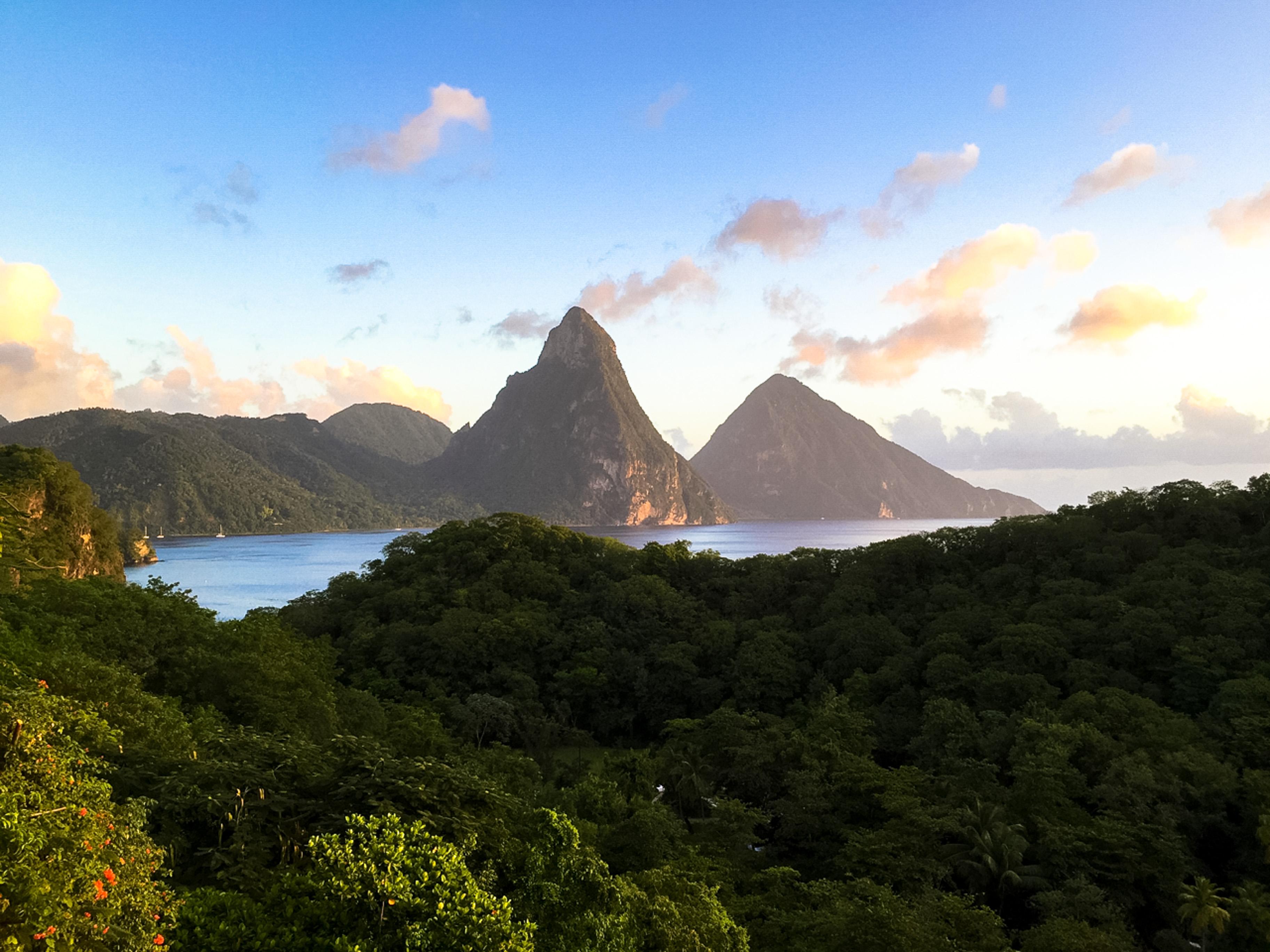 Die Pitons auf St. Lucia, die schönsten Berge der Karibik, Mietwagen auf St. Lucia
