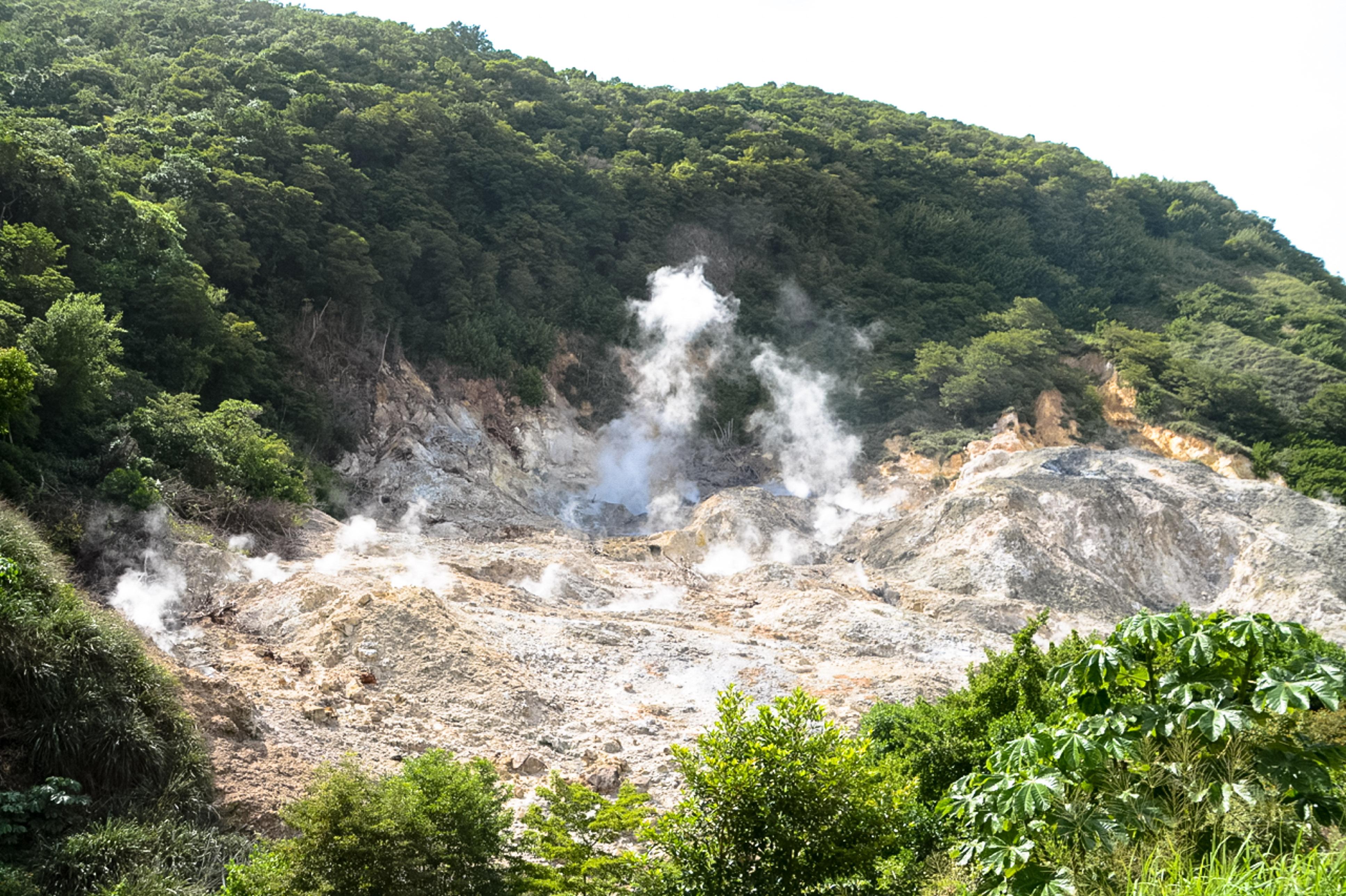 St. Lucia, Vulkan, Aufstieg zu den Pitons