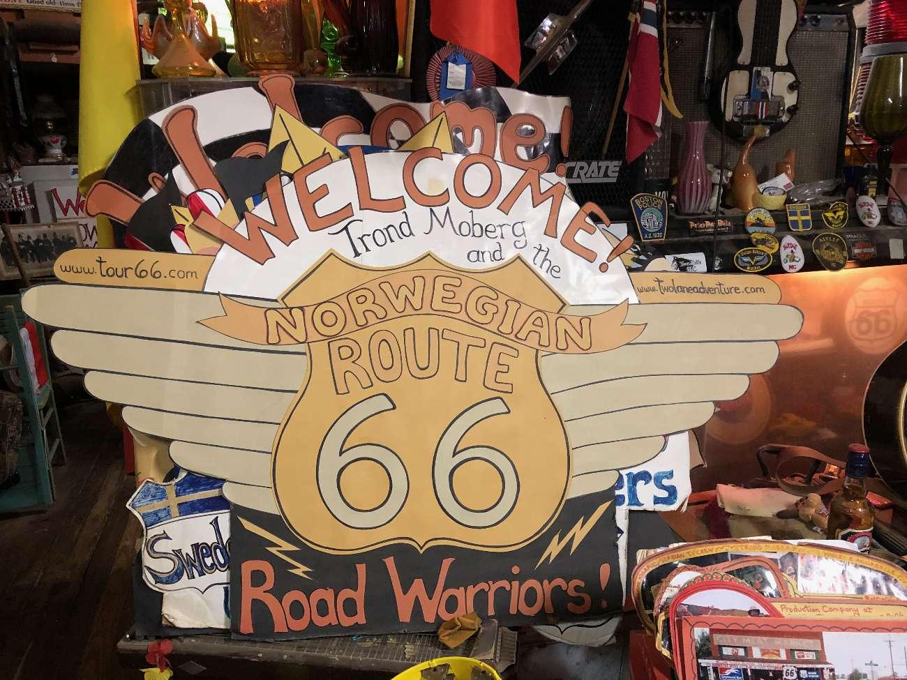 Grüße vom norwegischen Route-66-Fanclub in Erick Oklahoma bei Harvey Russell