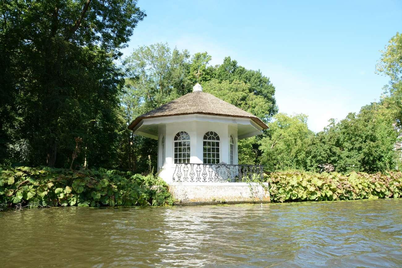 Teehaus eines Landsitzes an der Vecht in den Niederlanden
