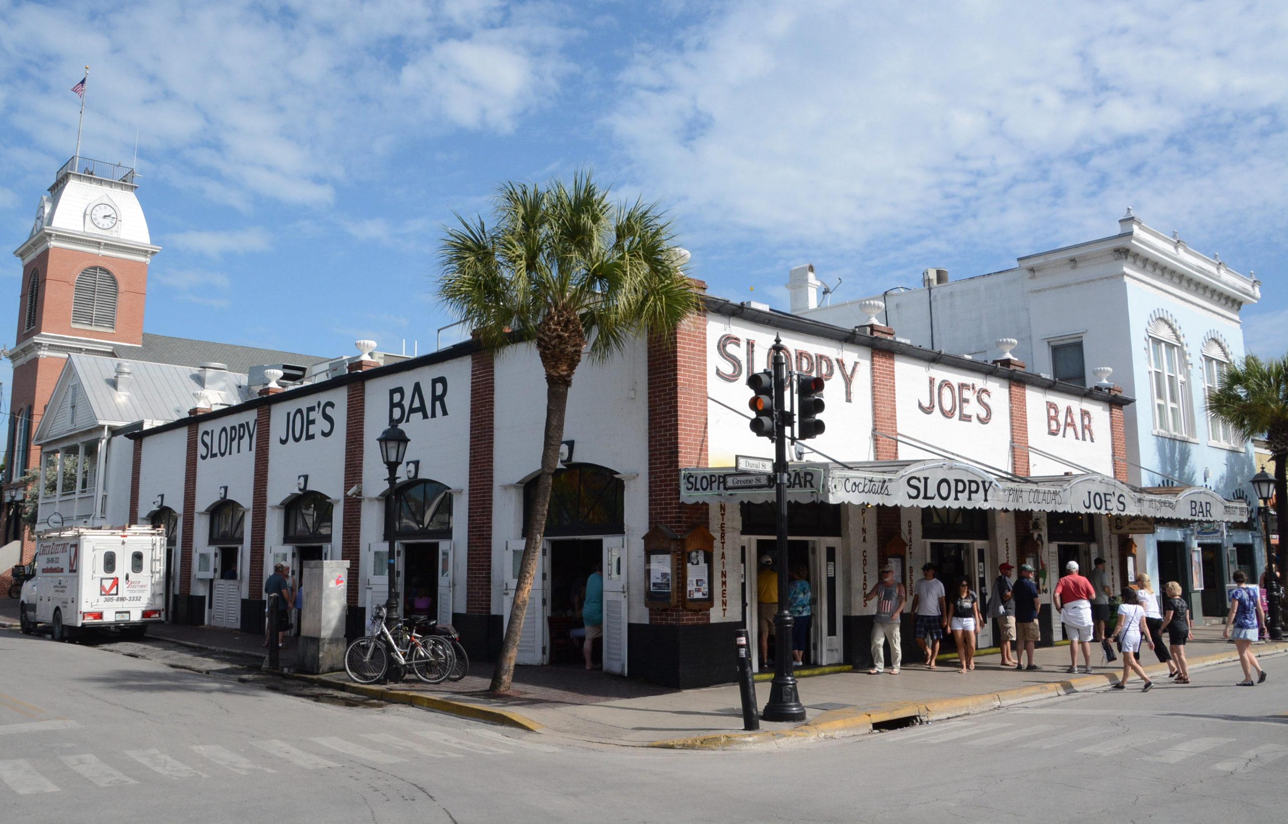 Sloppy Joe's ist angeblich Ernest Hemingway's Liebglingskneipe auf Key West, die heutige Version aber hat nichts mit dem Original zu tun