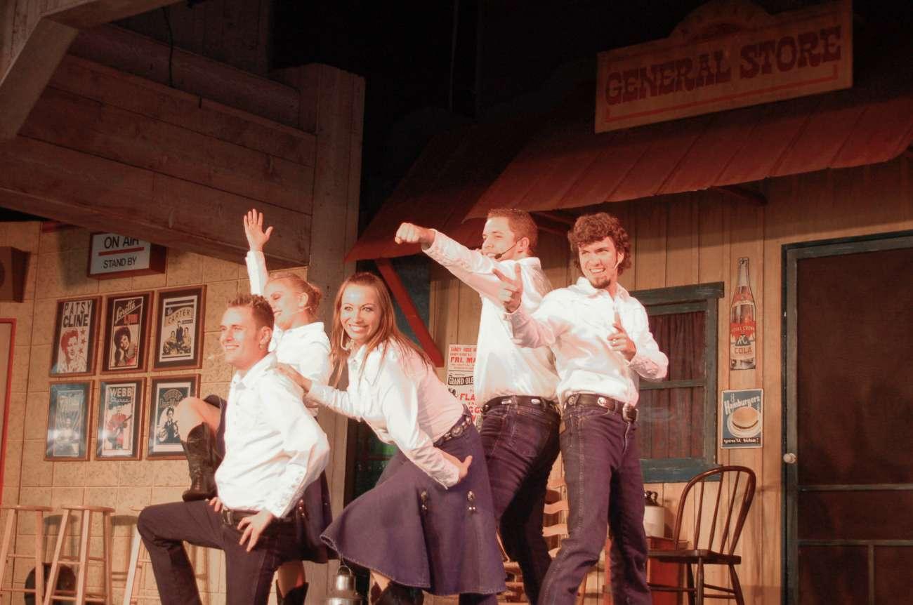 Müde Tänzer in Dollywood