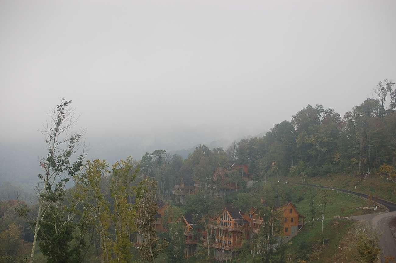 Viel Nebel: Feriendorf in den Great Smokey Mountains