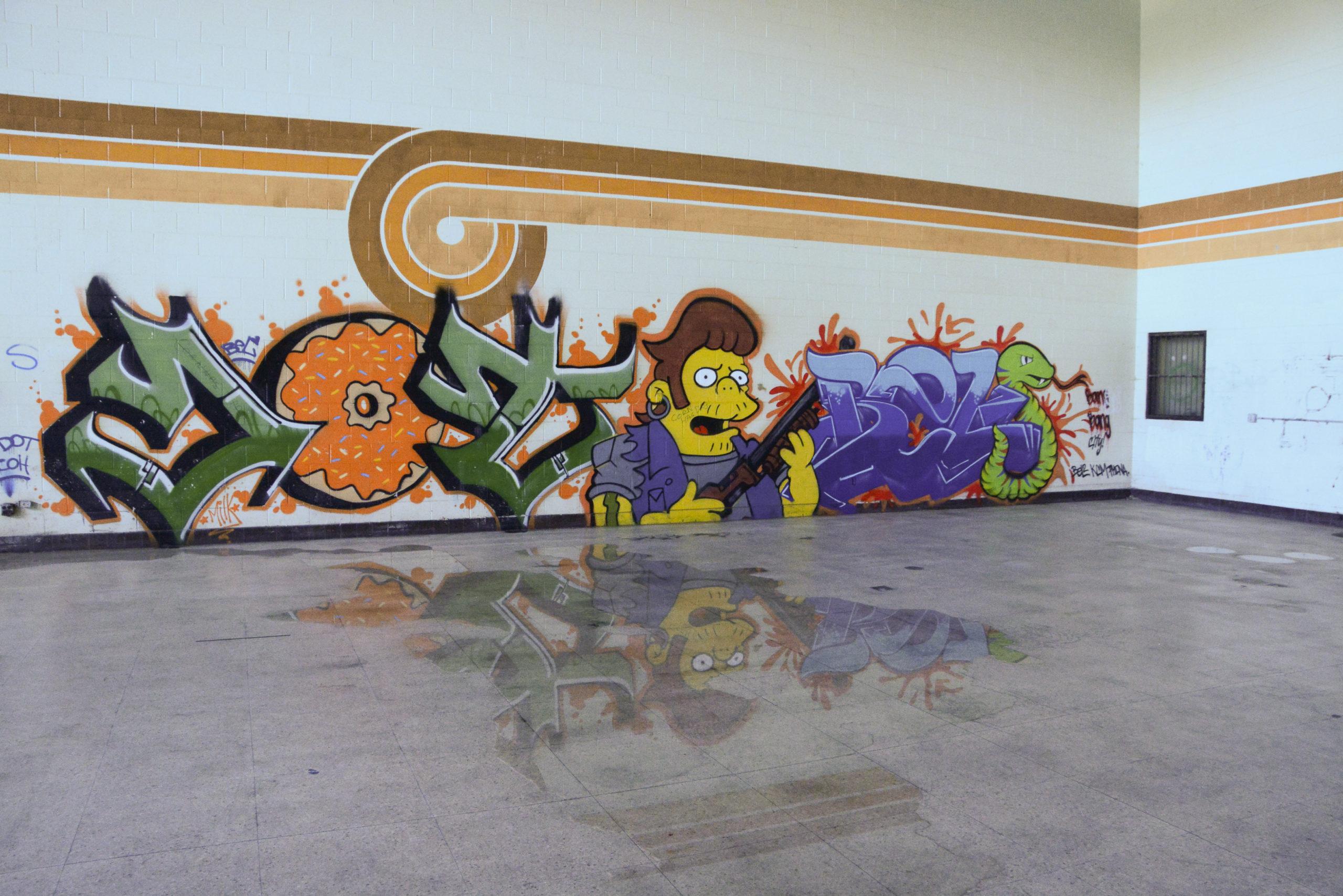 Grafitti im Stil der Simpsons im Gefängnis an der Route 66