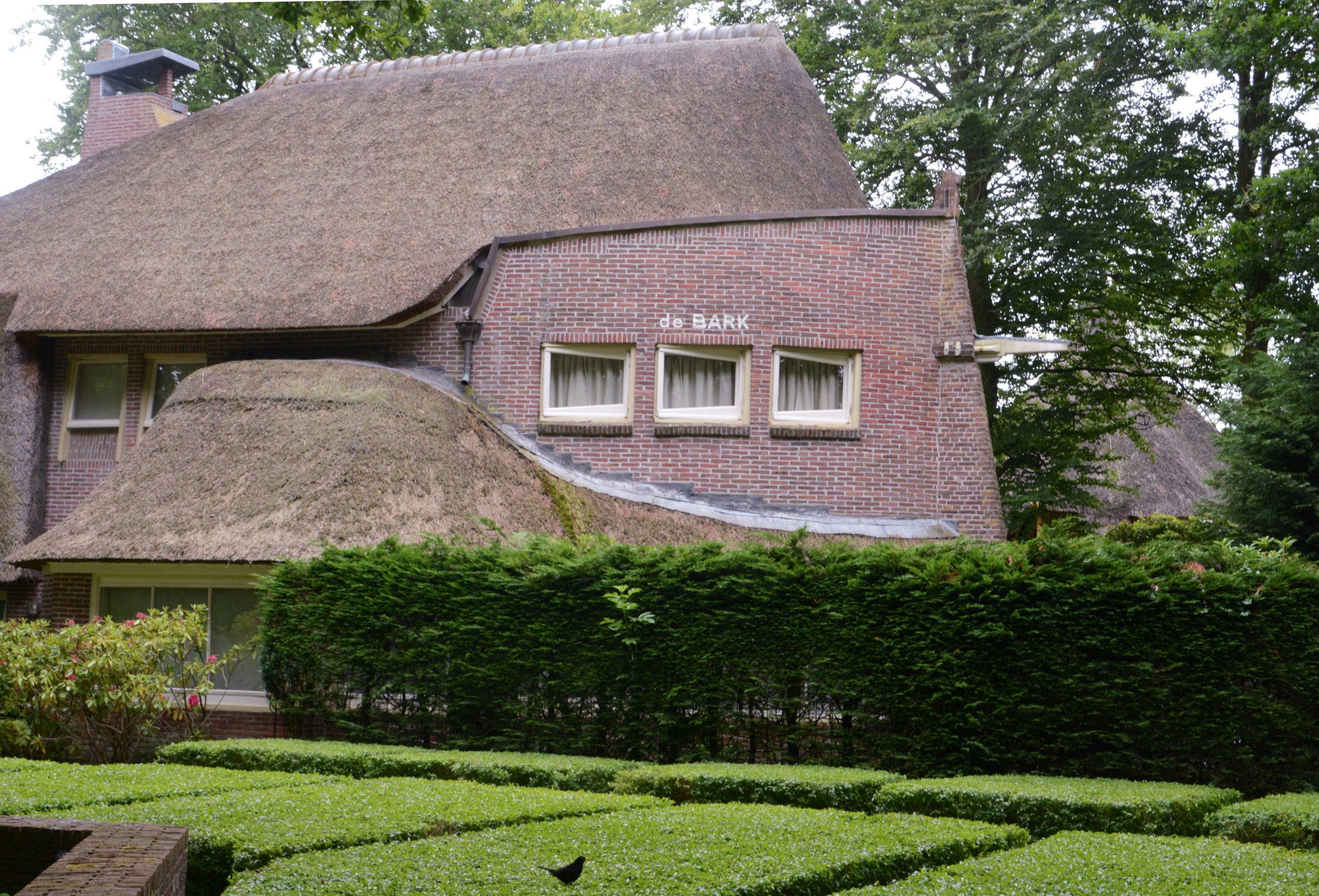 Villa »De Bark« in Bergen im Stil der Amsterdamer Schule