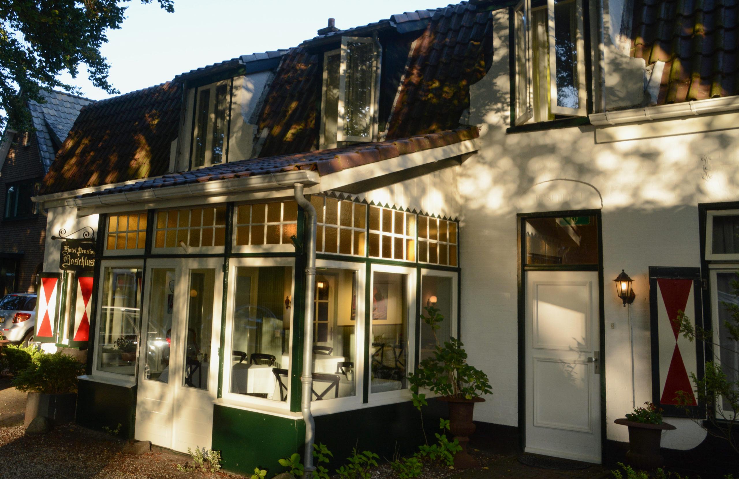 Hotel Boschlust in Bergen Nordholland von außen