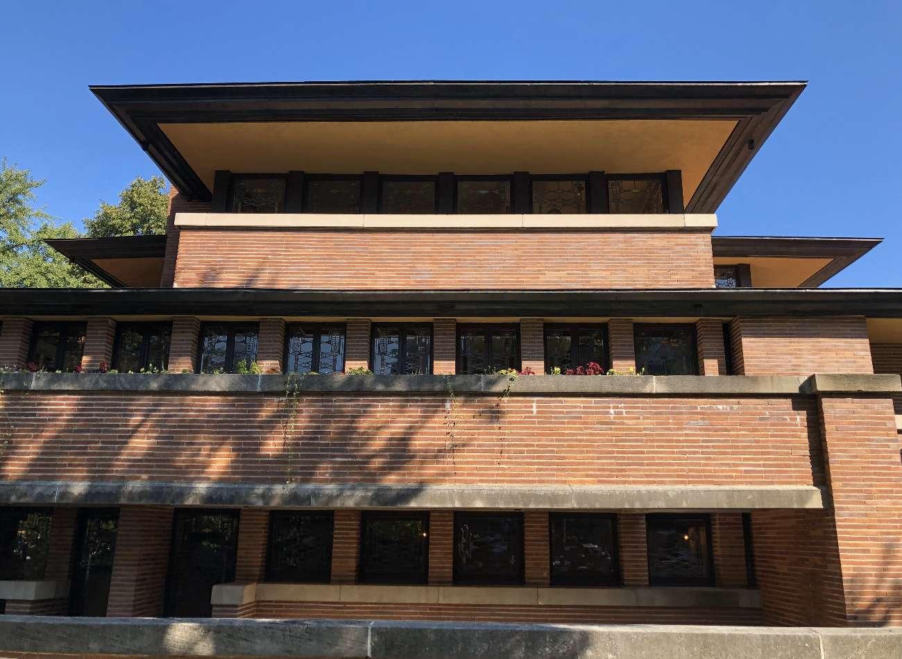 Gerade Linien bestimmen das Prairiehaus von Frank Lloyd Wright