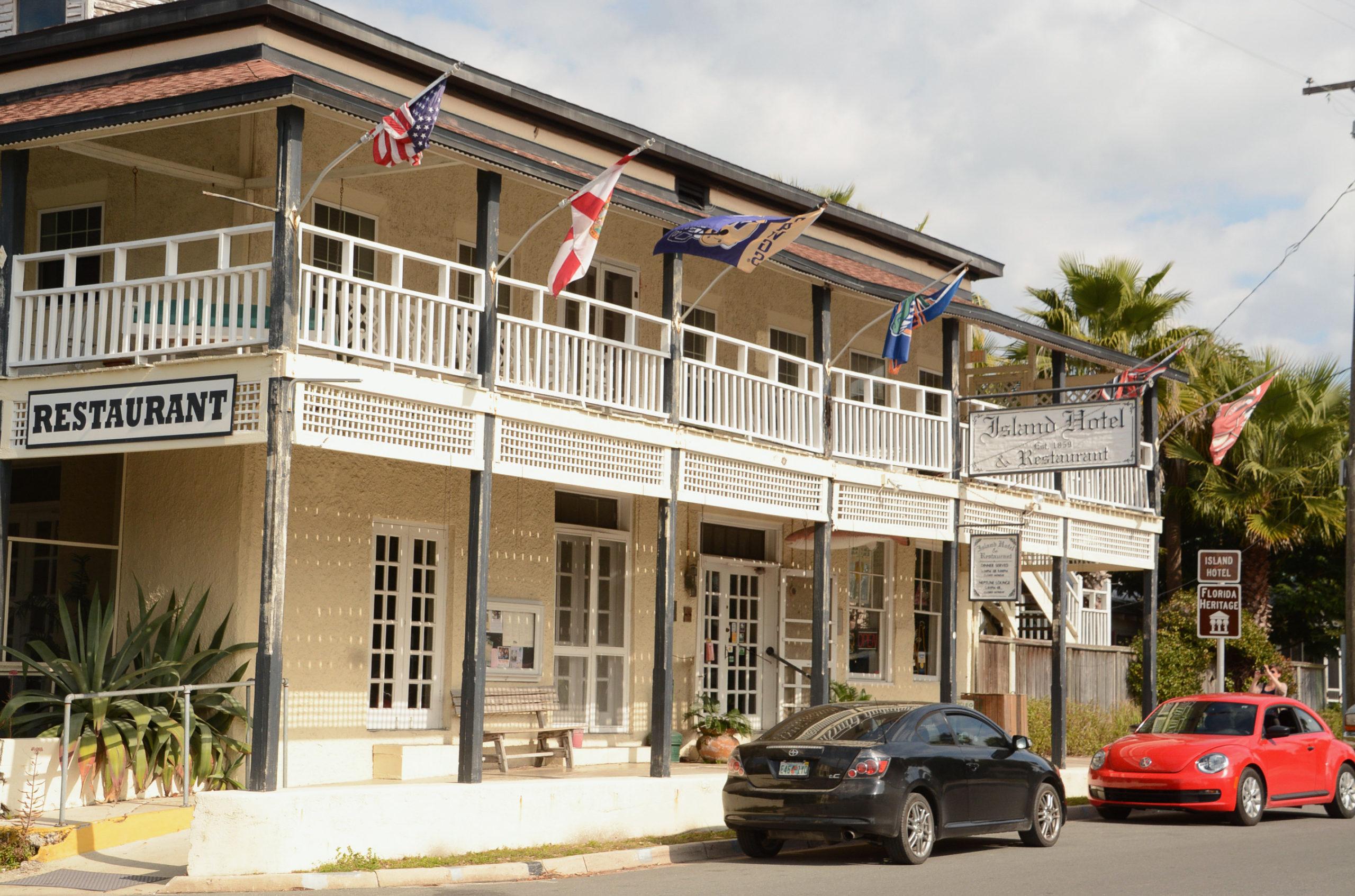 Das Island Hotel ist eine Institution auf Cedar Key