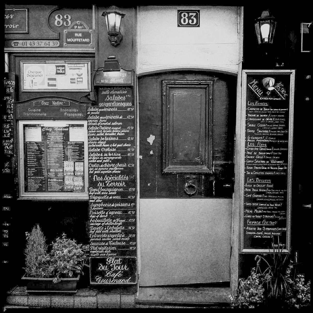 Speisekarte eines Restaurants in der Rue Mouffetard in Paris