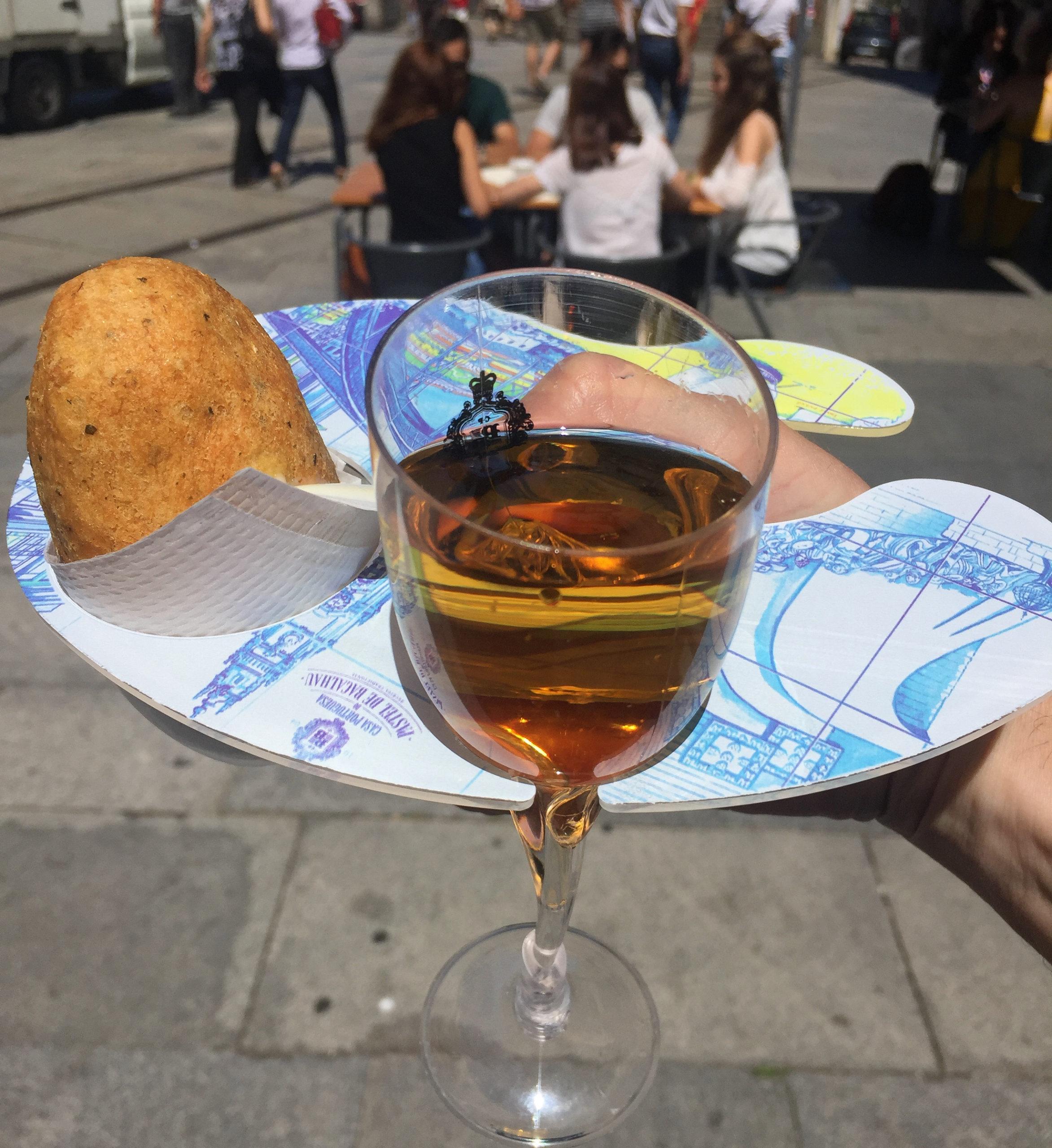 Pastel de Bacalhau mit Portwein in Porto