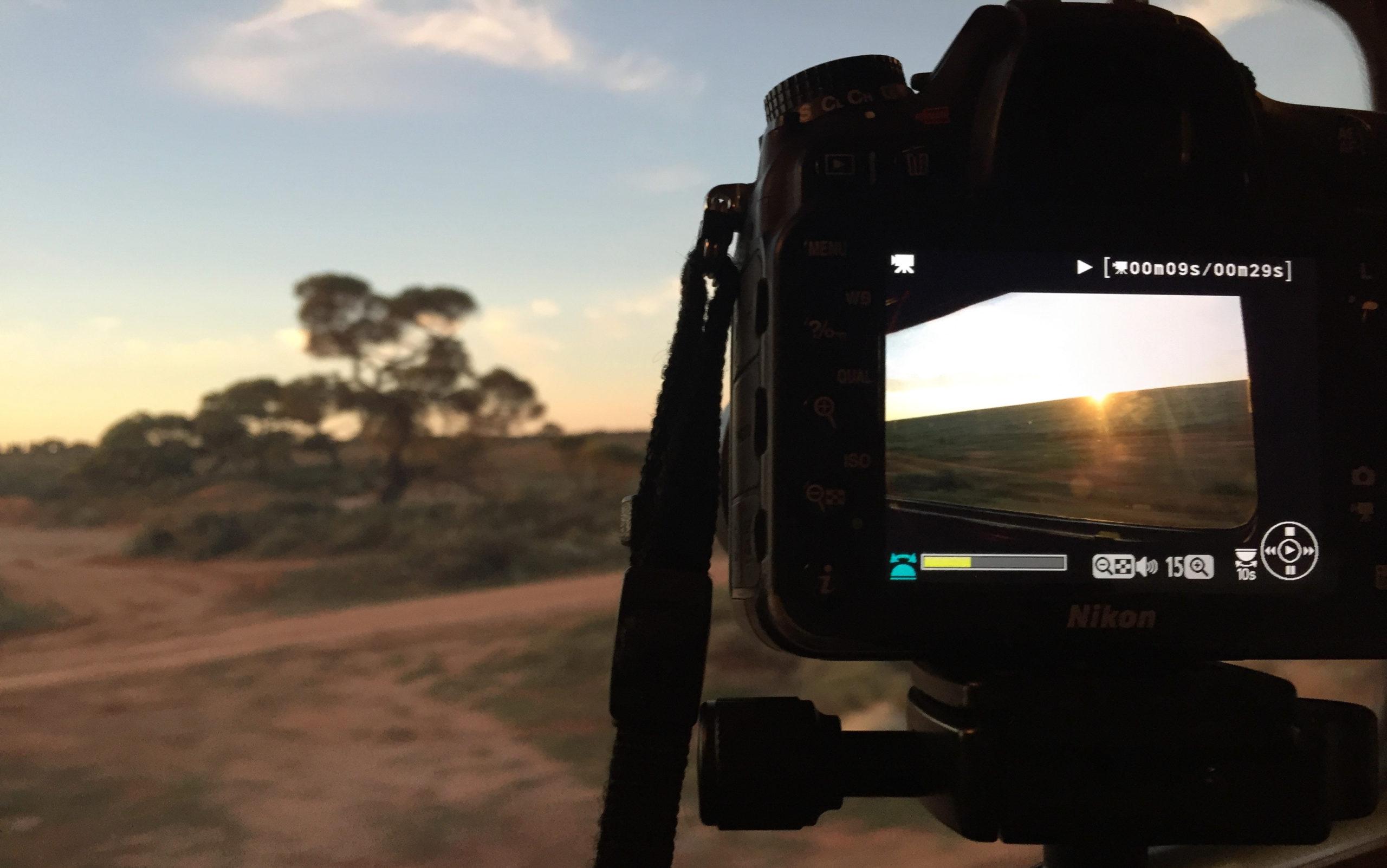 Blick durch die Kamera auf die Landschaft in Australien