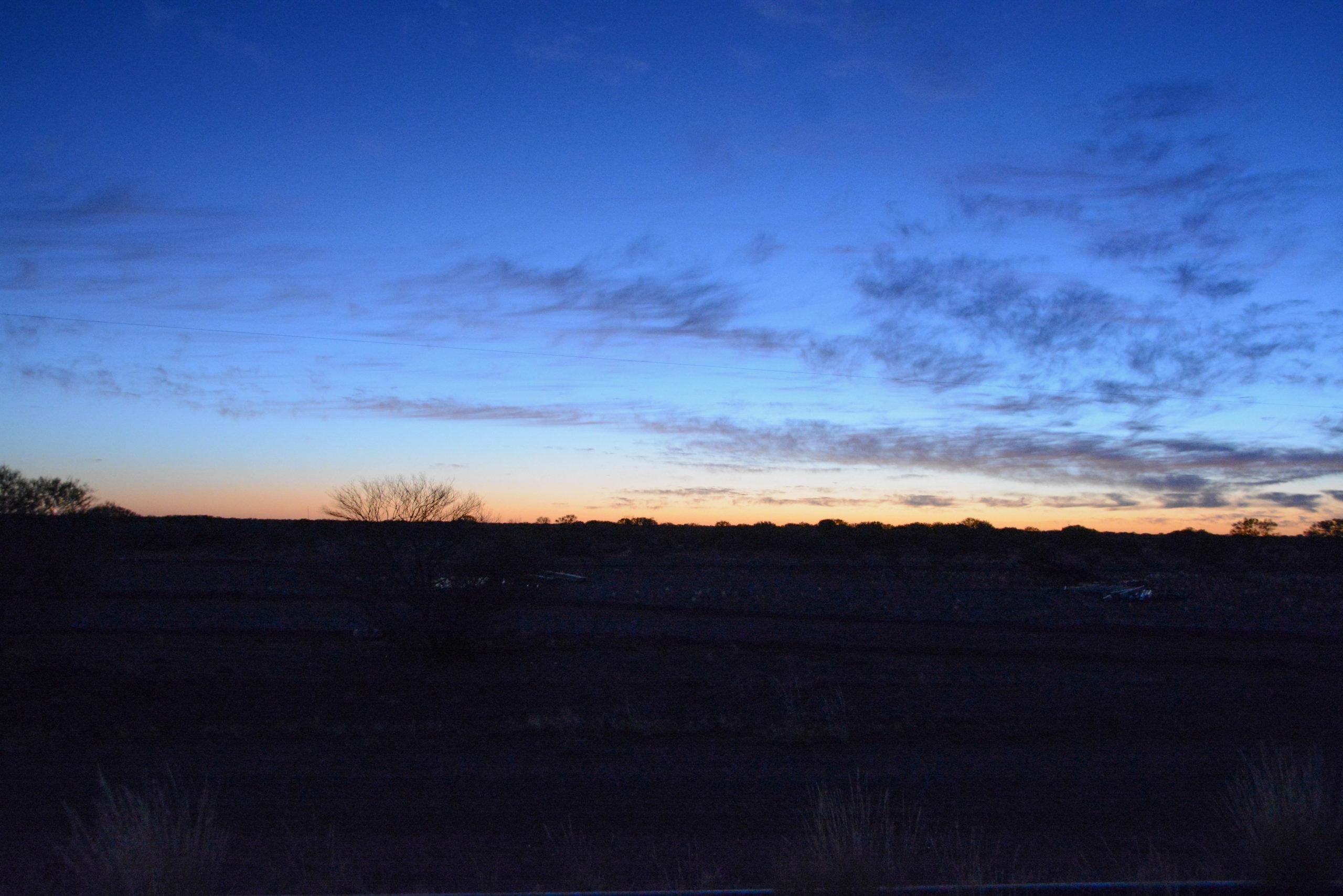 Sonnenaufgang bei Marla im australischen Busch