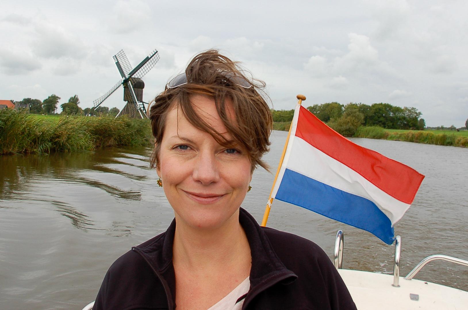 Kapitänin Alexandra mit Windmühle und Holland-Flagge
