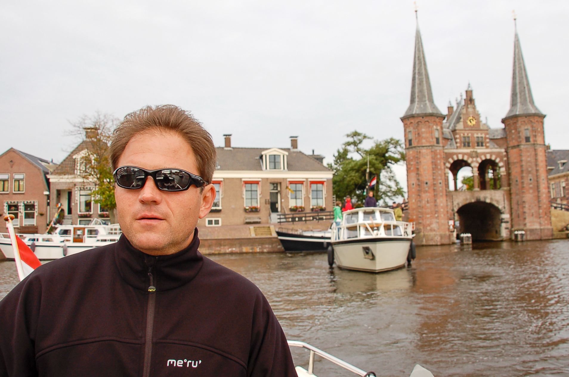 Käptn Ralf im Städtchen Sneek in Friesland