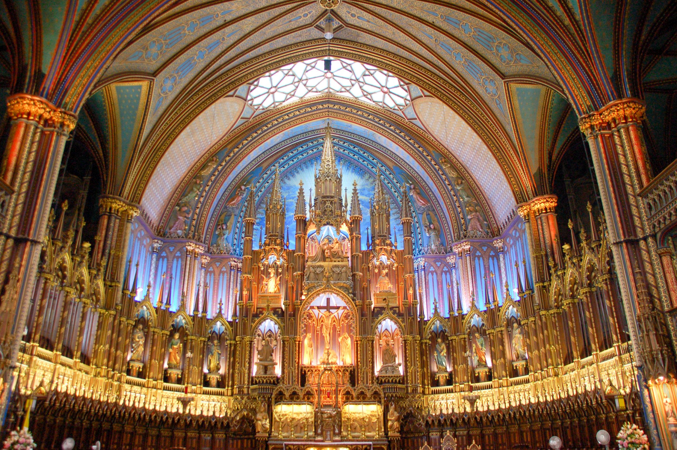 Innenleben der Kathedrale von Montreal mit Orgel