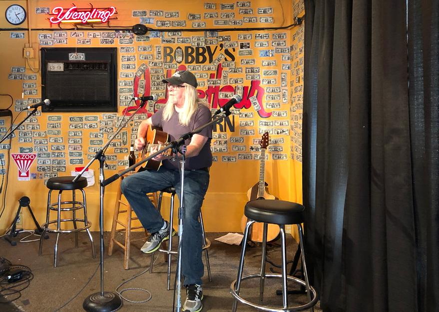 Auftritt im Honky Tonk Idel Hour Tavern in Nashville