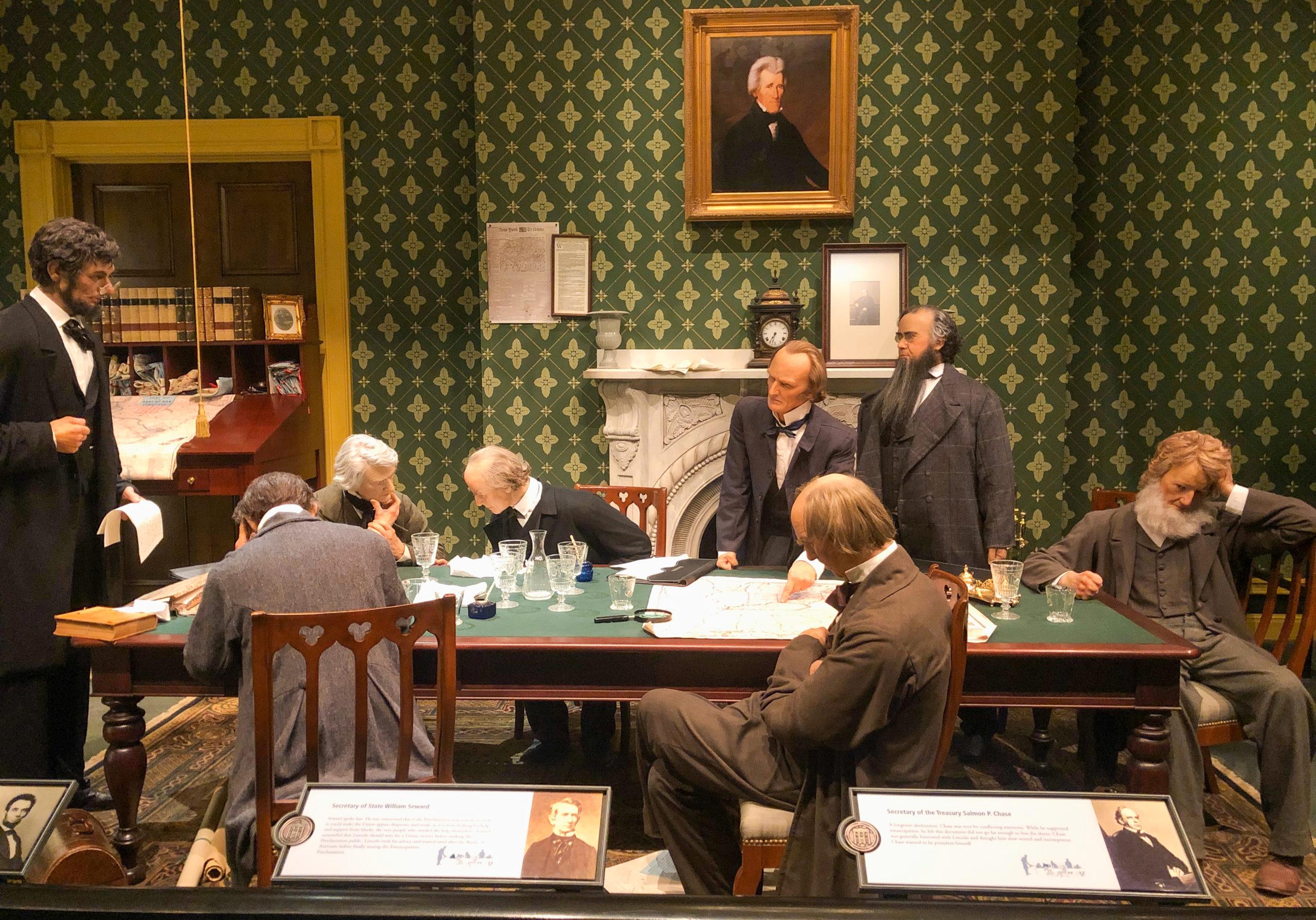 Szene mit historischen Figuren aus dem Abraham Lincoln Presidential Museum and Library