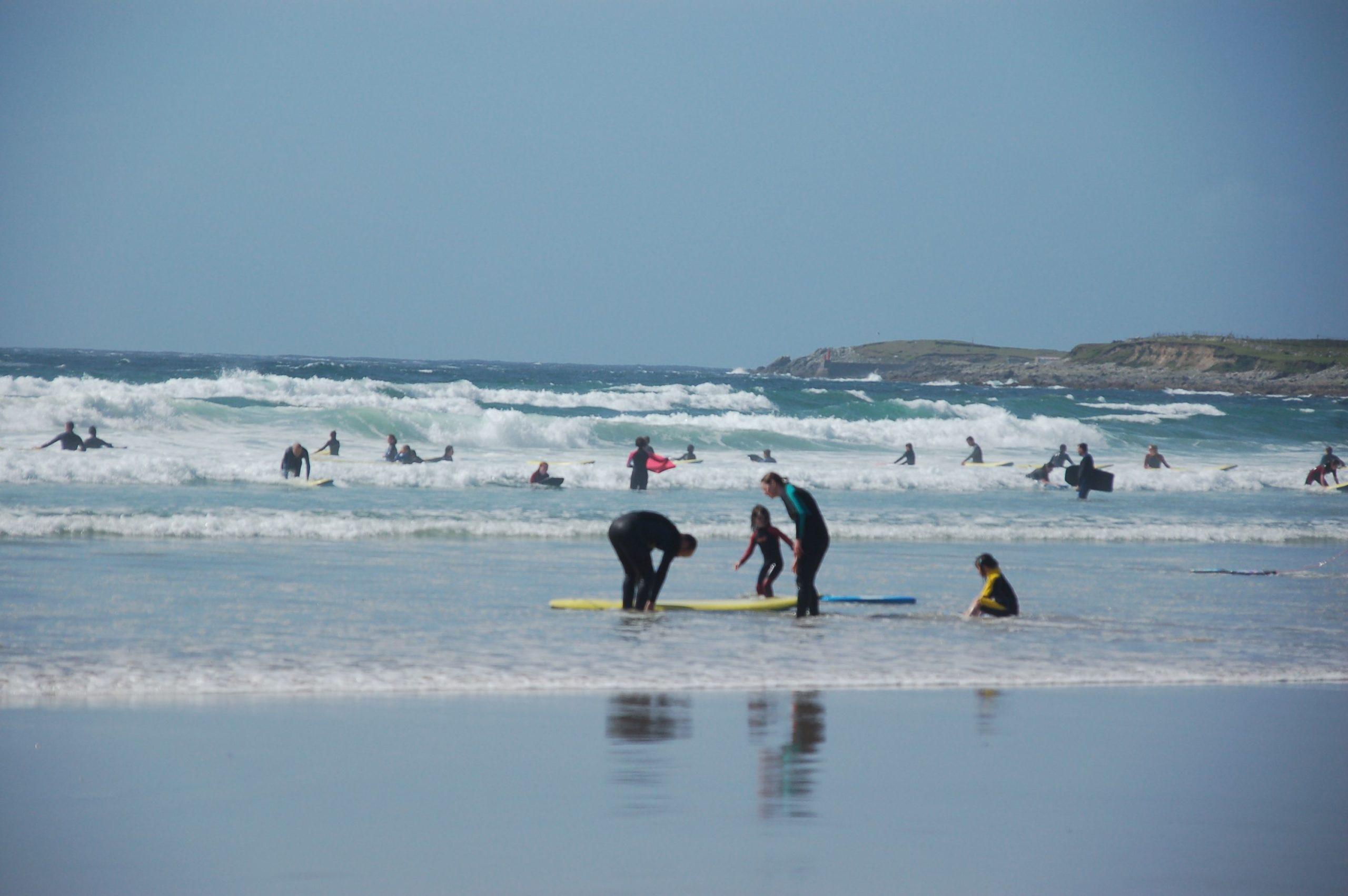 Surfer am Strand auf Achill Island