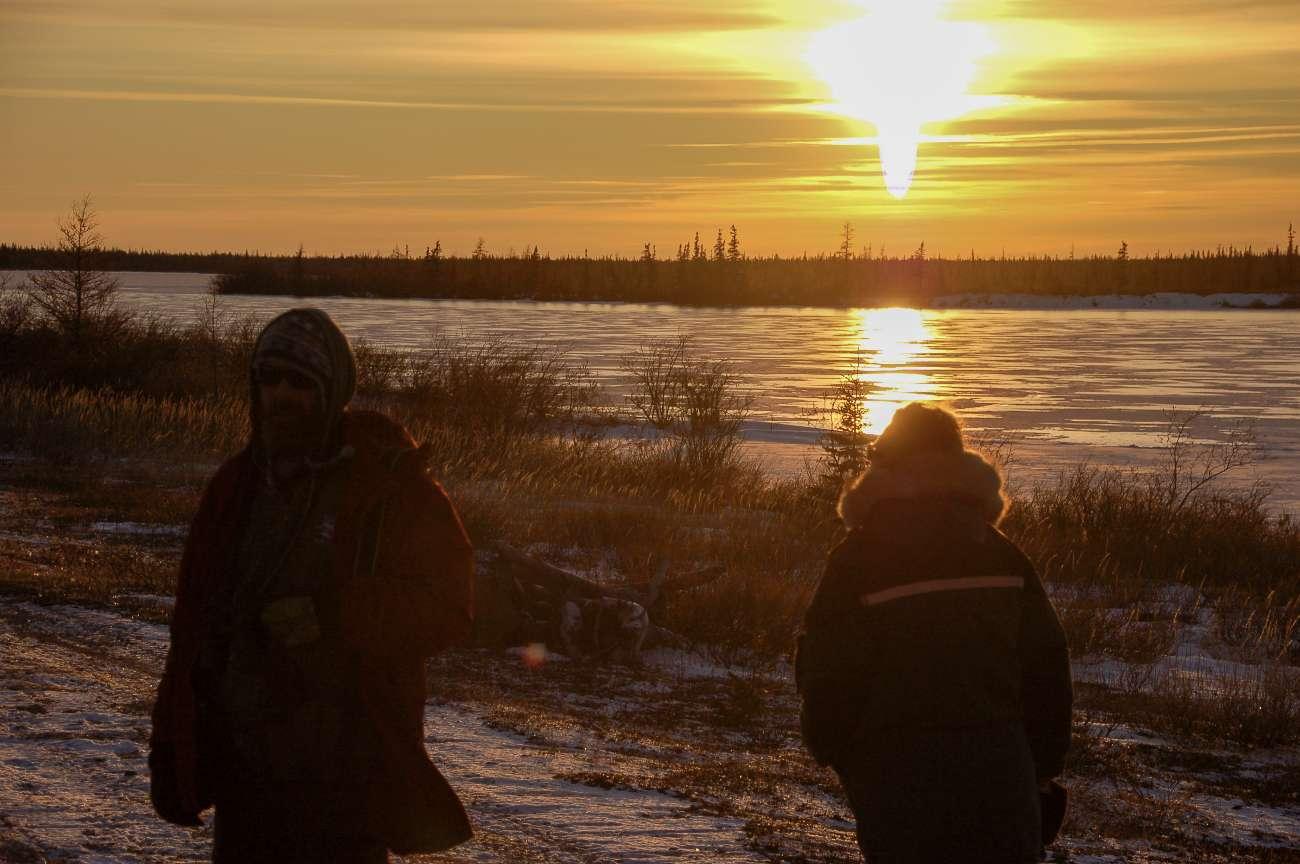 Sonnenuntergang and er Hudson Bay bei Churchill in Kanada