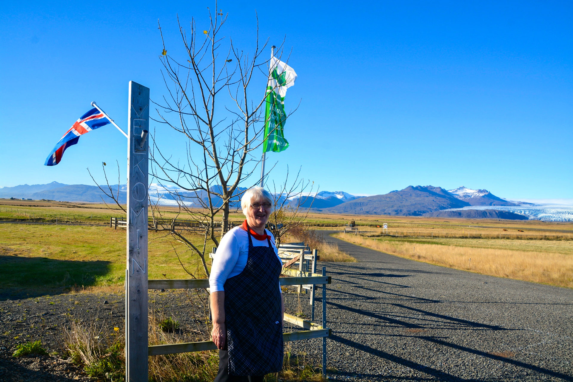 Bäuerin in Brunnholl beim Gletscher Vatnajökull an der isländischen Ringstrasse