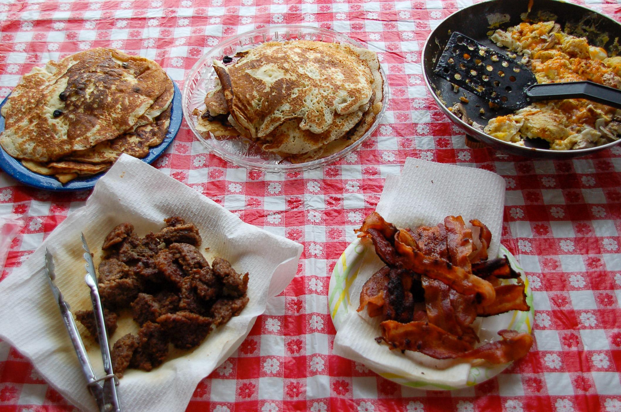 Herzhaftes Bauernfrühstück gehört zum Ranchurlaub in Amerika dazu