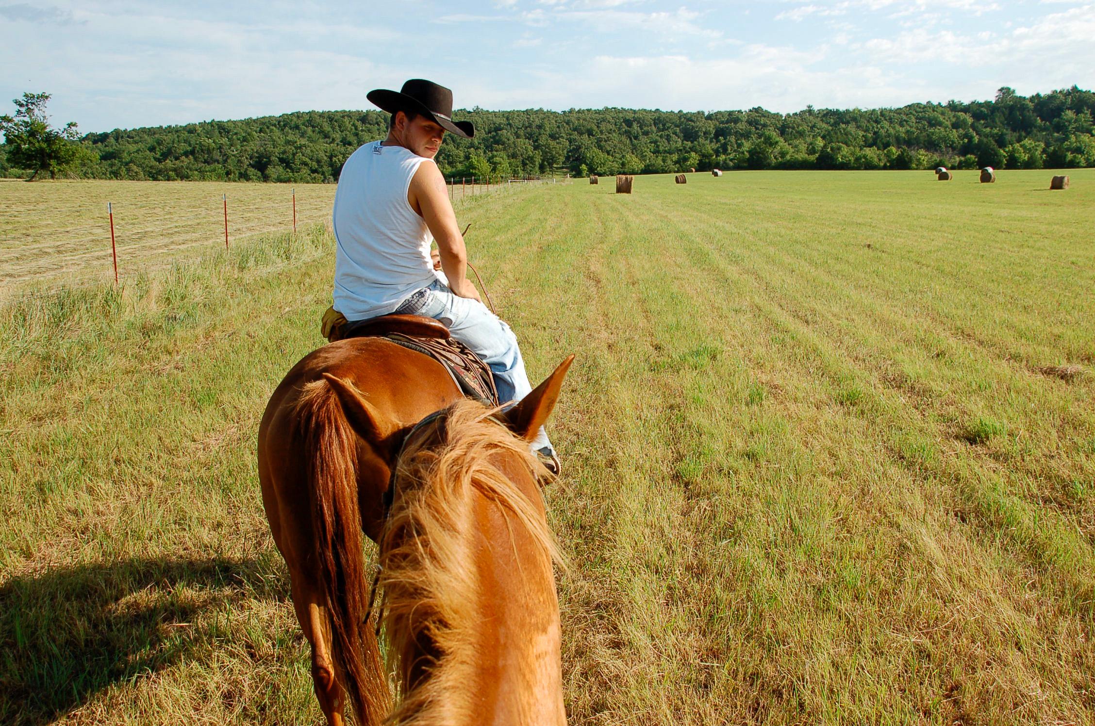 Ein Cowboy kann nicht James heißen - auch das lernen Urlauber auf der Dude Ranch in Oklahoma