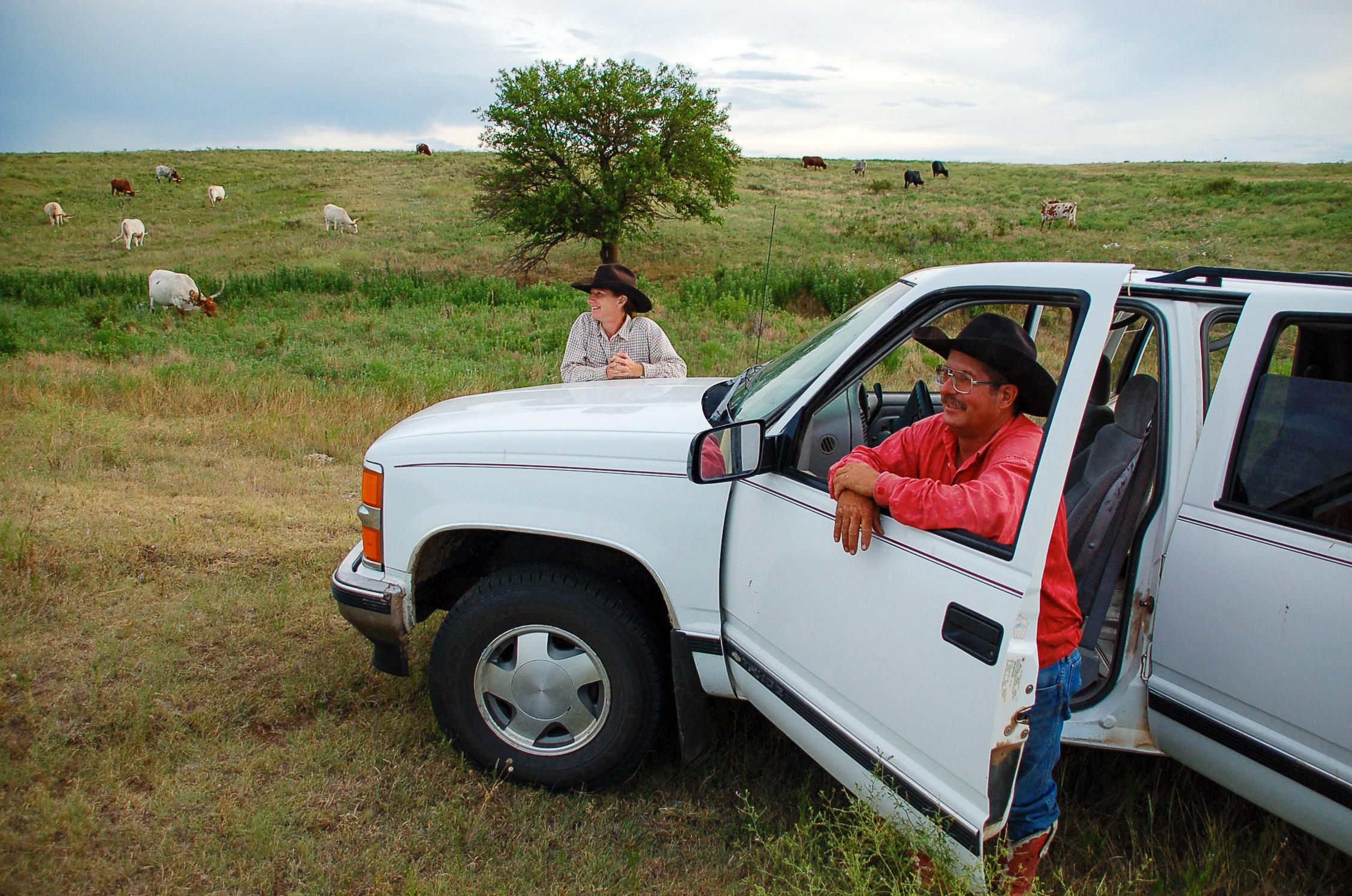 Bill und Nancy Moore führen ihre Dude Ranch in Kansas mit viel Liebe, bis zu sechs Besucher helfen ihnen bei der harten Arbeit