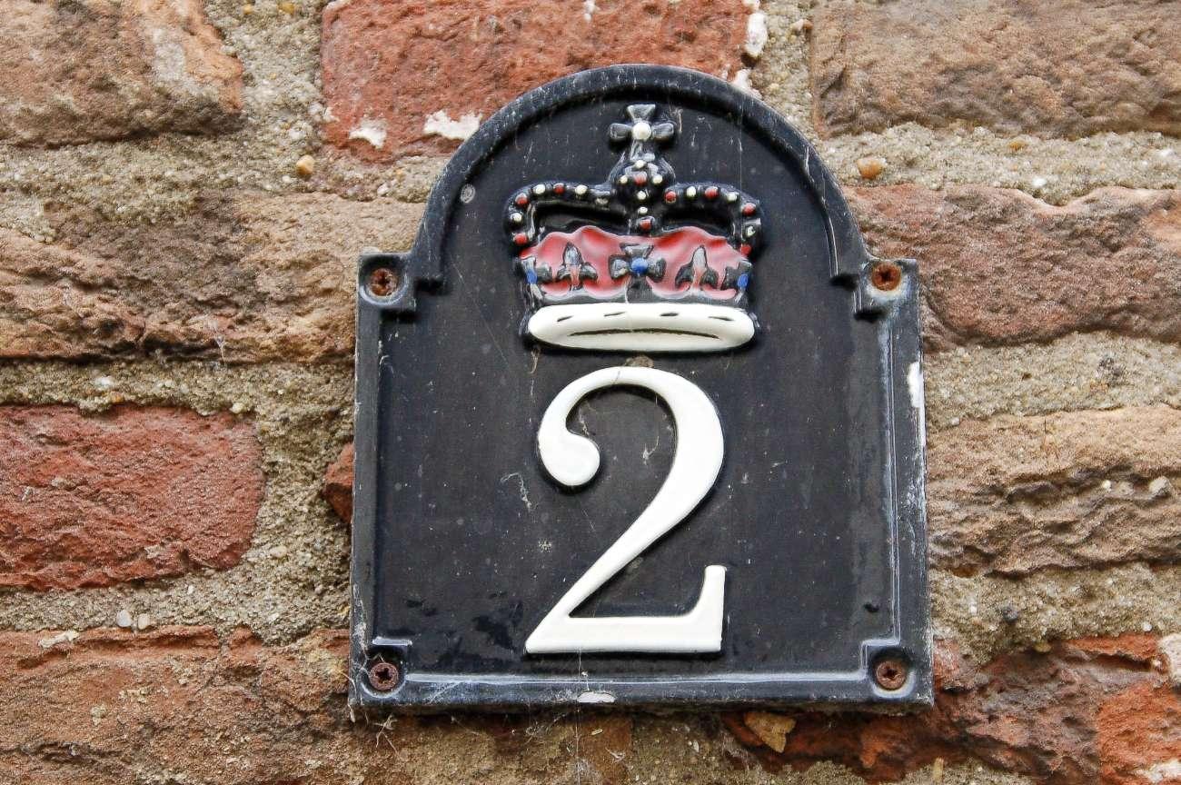 Eine Hanse Krone auf einem Wappen in der niederländischen Hansestadt Hasselt
