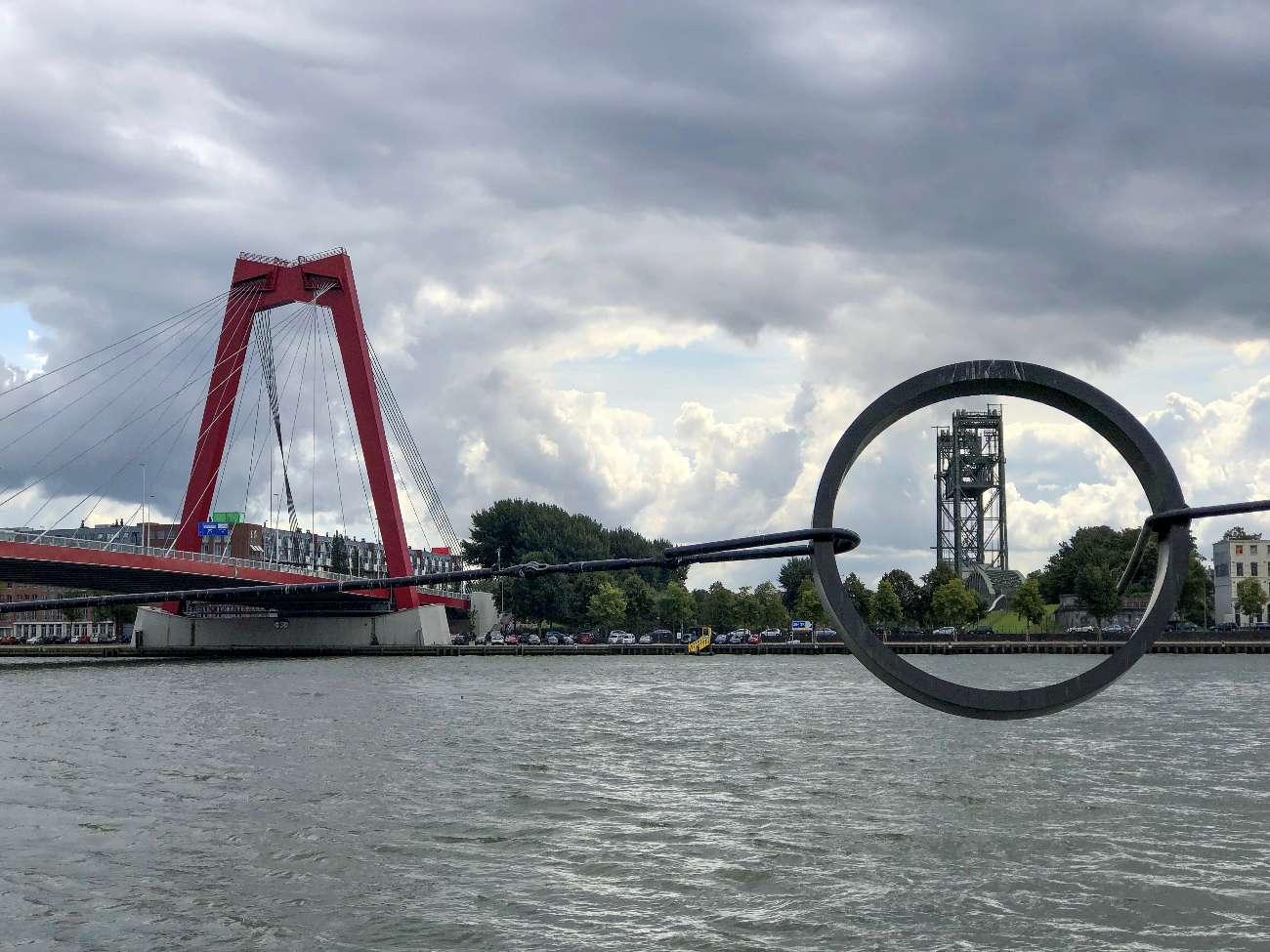 Die Hebebrücke De Hef und die Insel Noordereiland in Rotterdam.