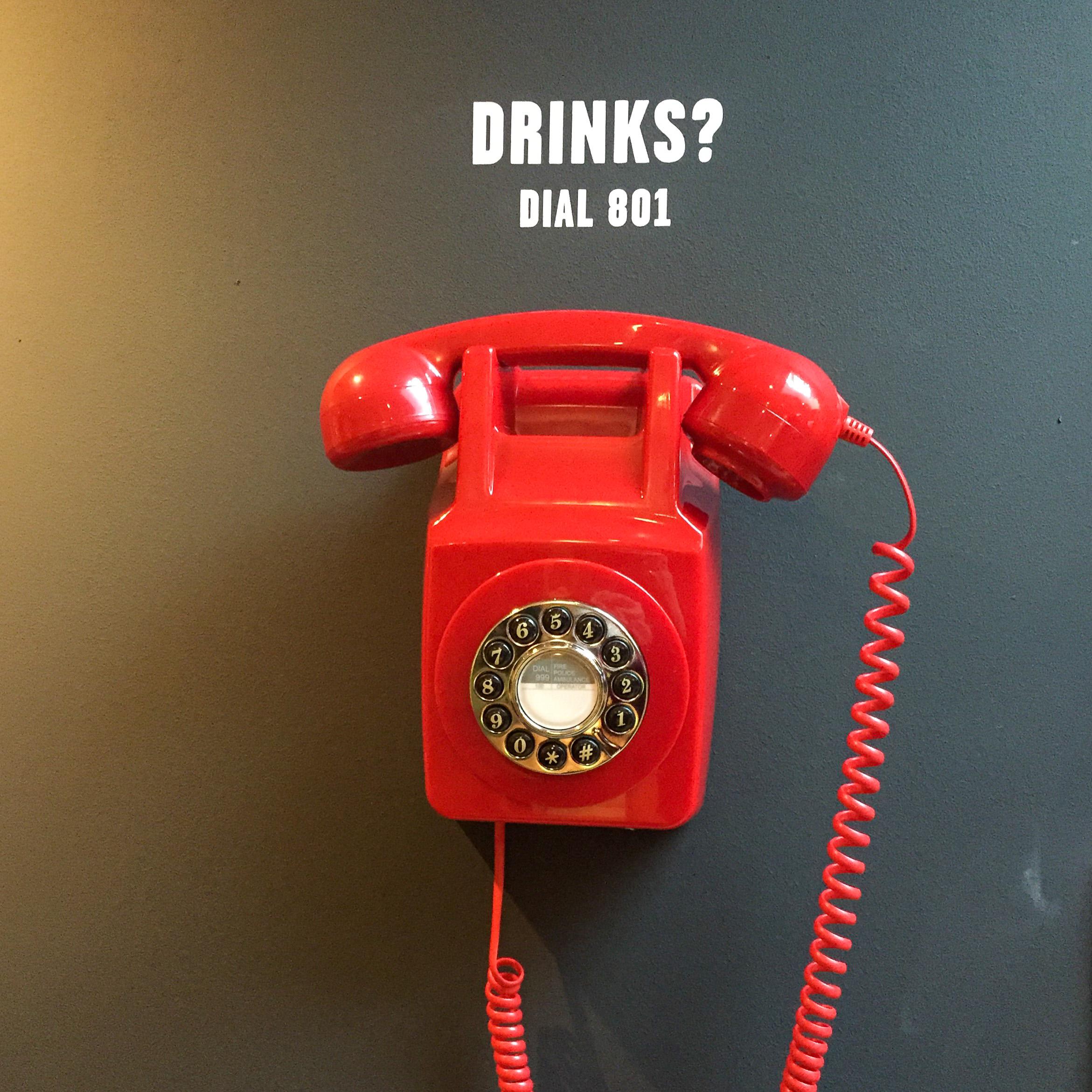 Hotel The Dutch in Maastricht mit rotem Telefon