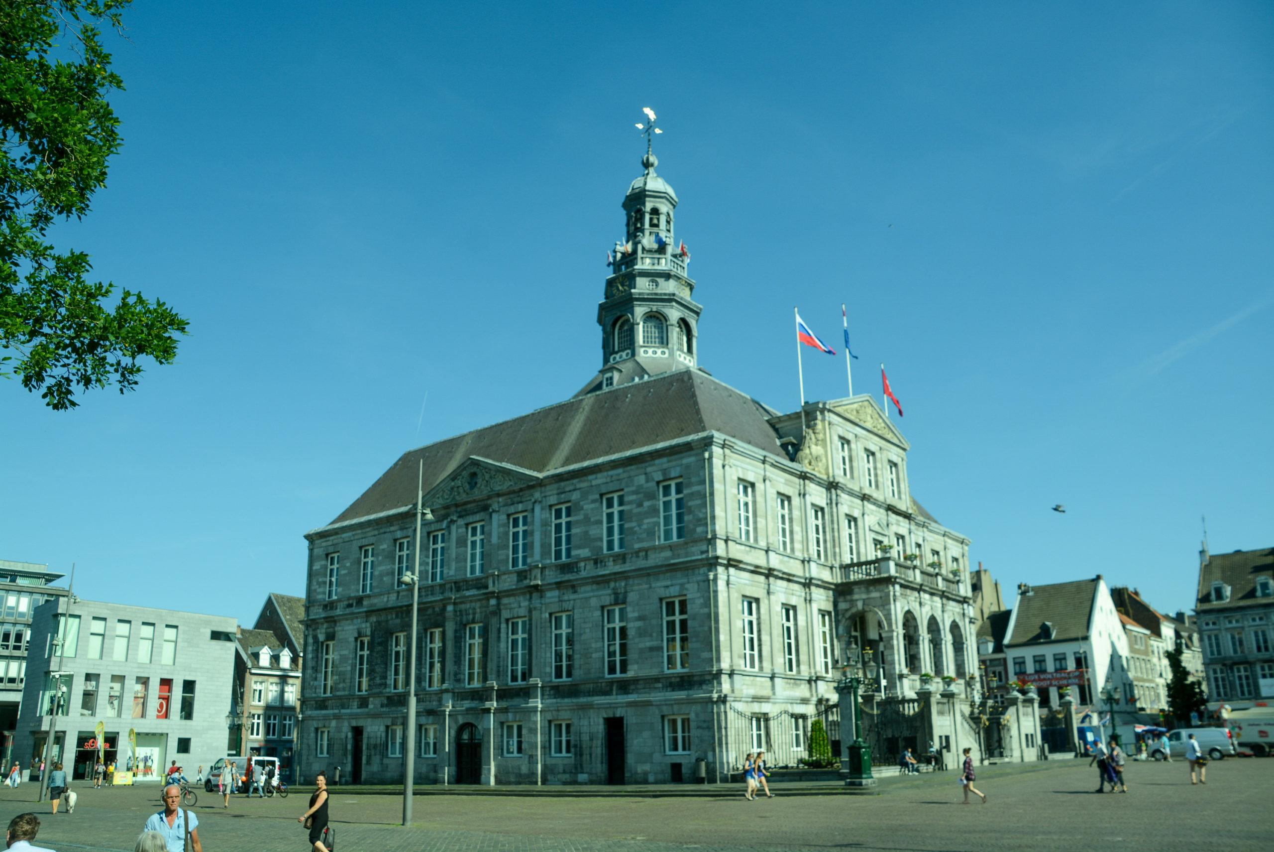 Das Alte Rathaus auf dem Markt von Maastricht