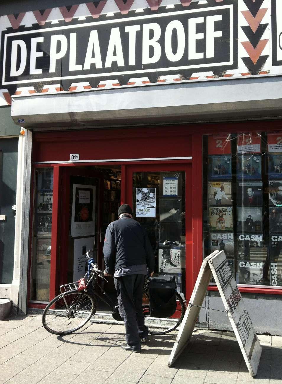 Das Fachgeschäft für Vinyl oder auch Schallplatten in Rotterdam heißt Plaatboef.