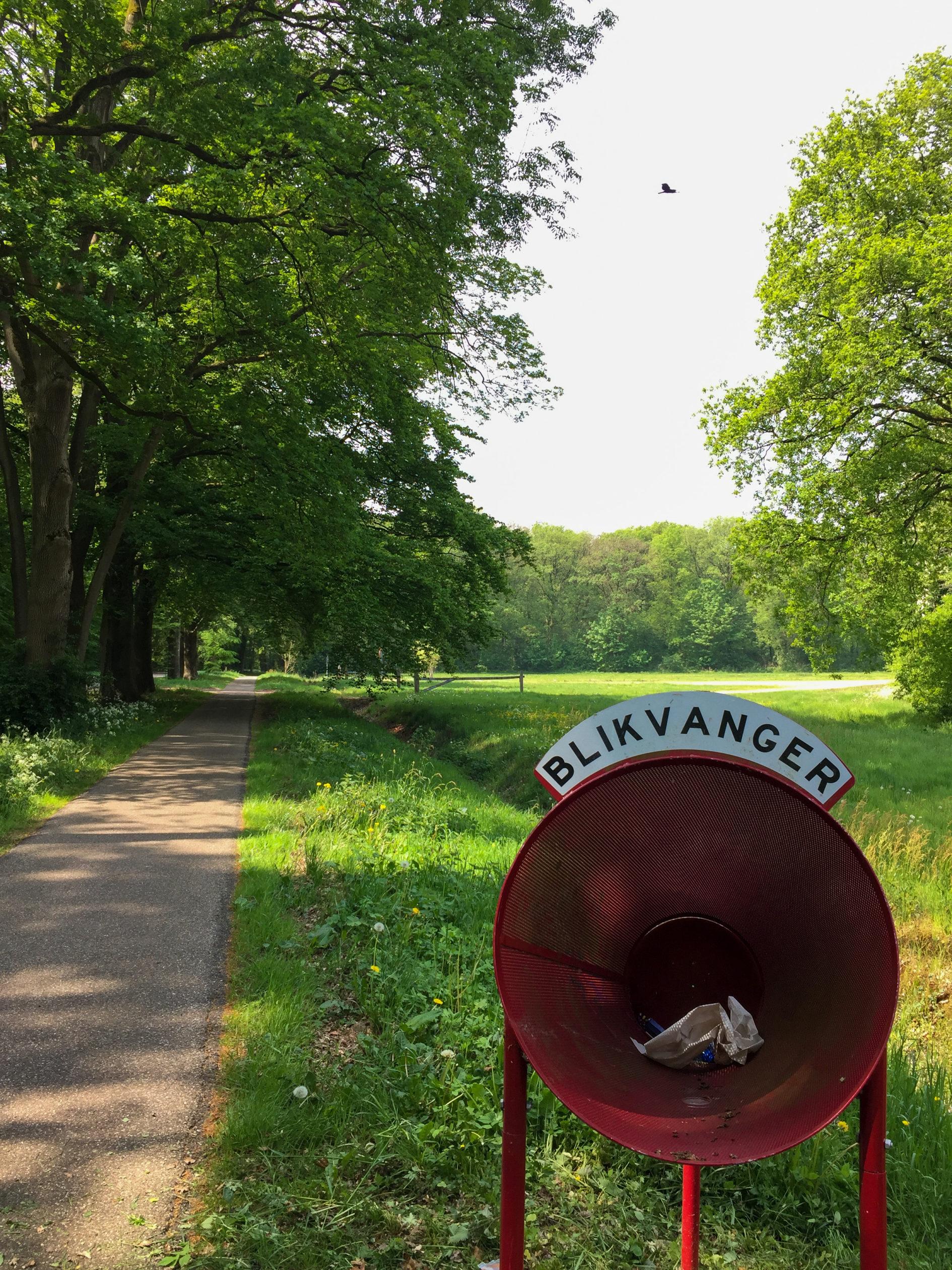 Ein Büchsenfänger als Alternative zum Mülleimer bei der Radtour durch das andere Holland