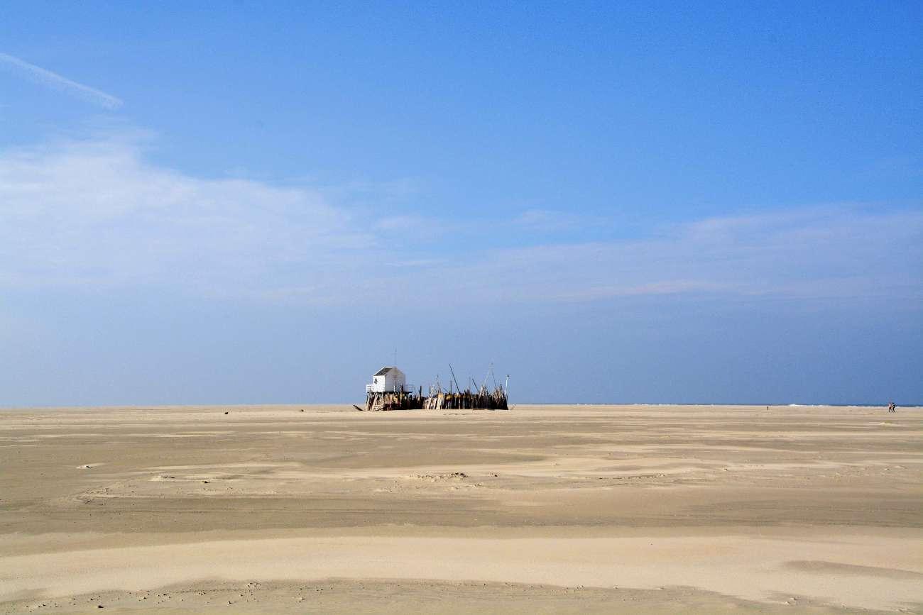 Auch dank der einsamen Häuschen ist Vlieland der perfekte Ort für einen Kurztrip nach Holland